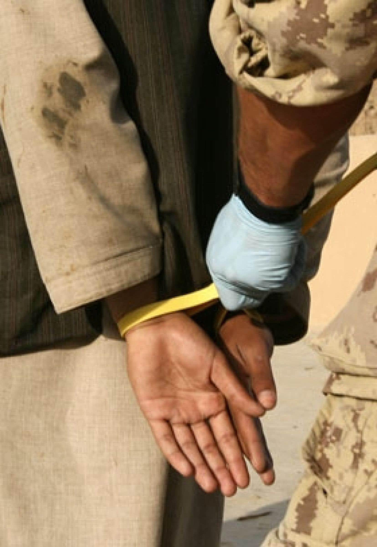 Les Afghans faits prisonniers par les soldats canadiens ne sont plus transférés aux autorités locales depuis le 5 novembre.