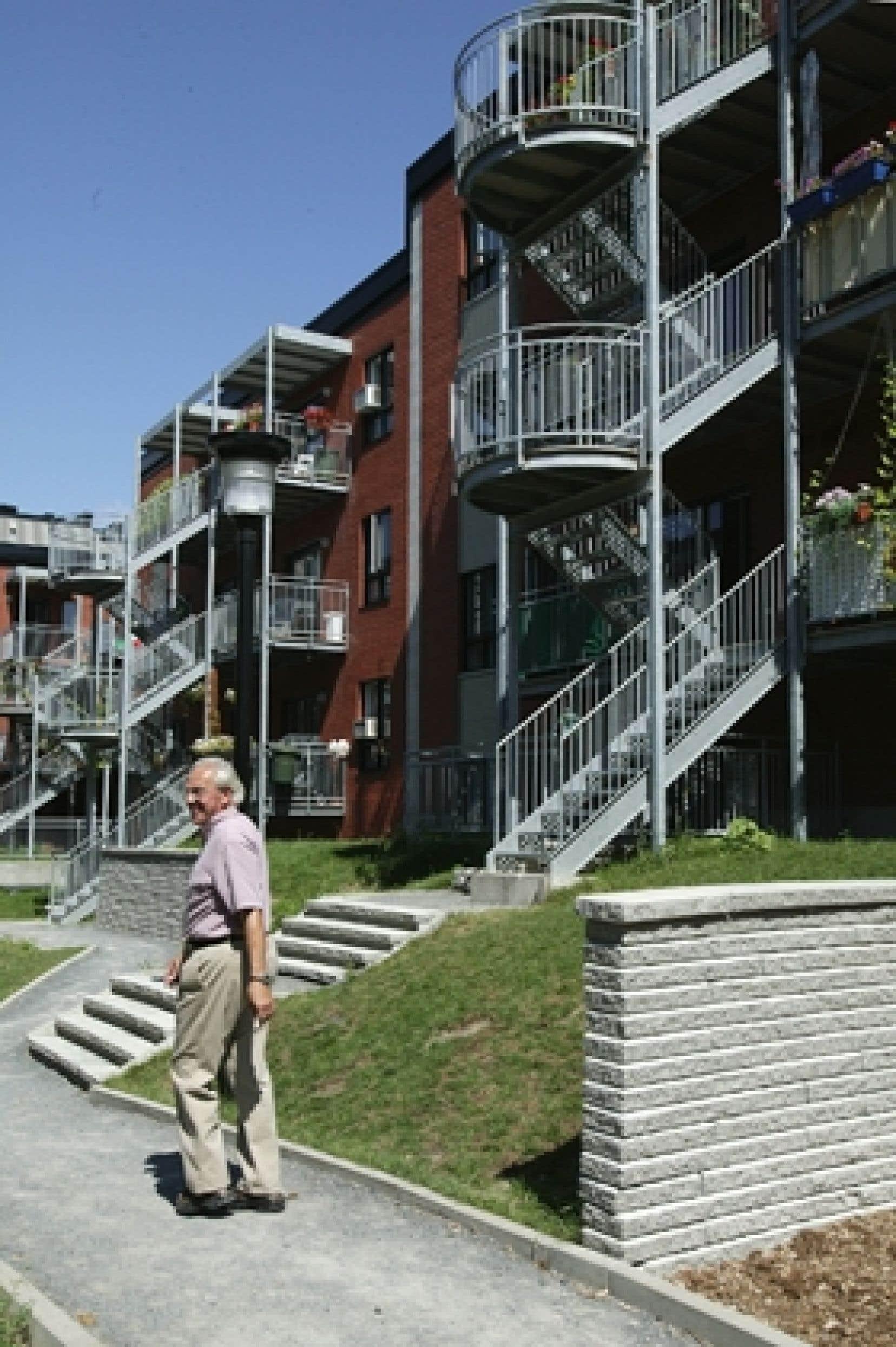Il faudrait plus de logements sociaux, comme cette coopérative d'habitation de la rue Montcalm, à Montréal.