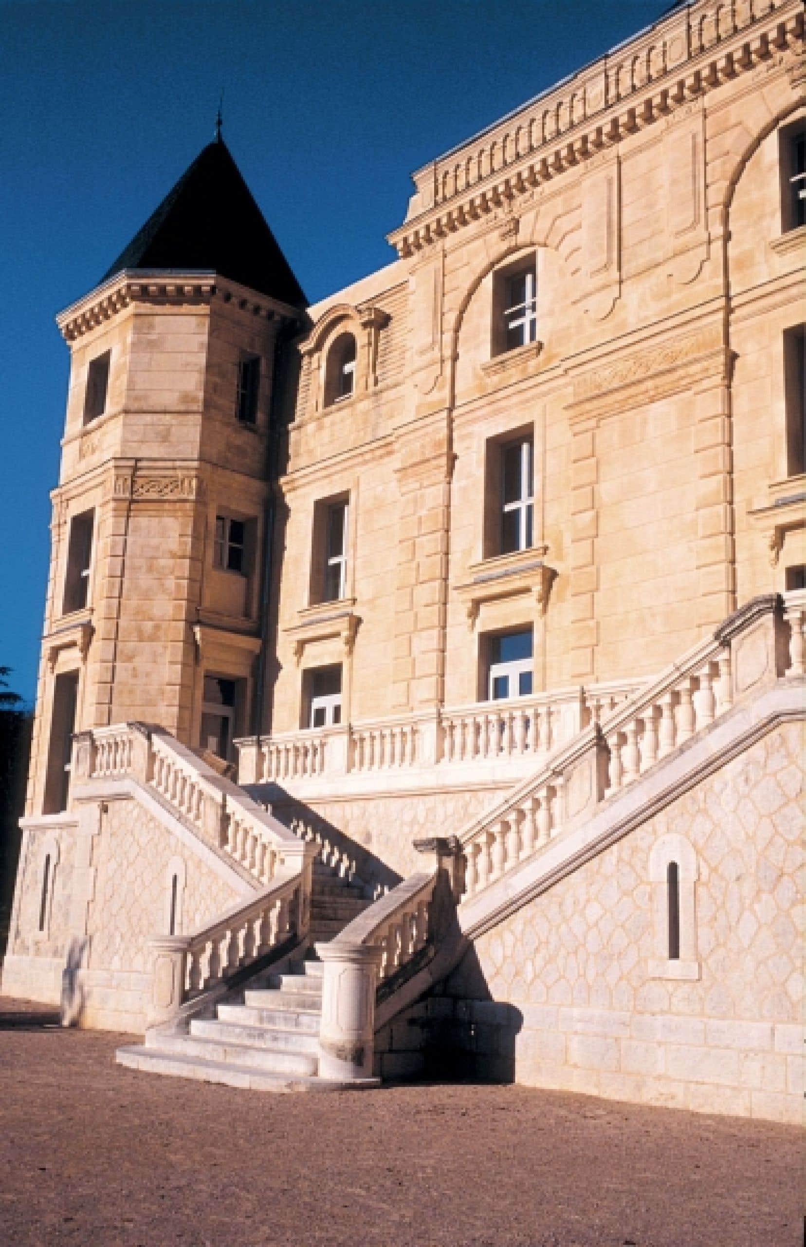 <div> Le château de La Buzine</div>