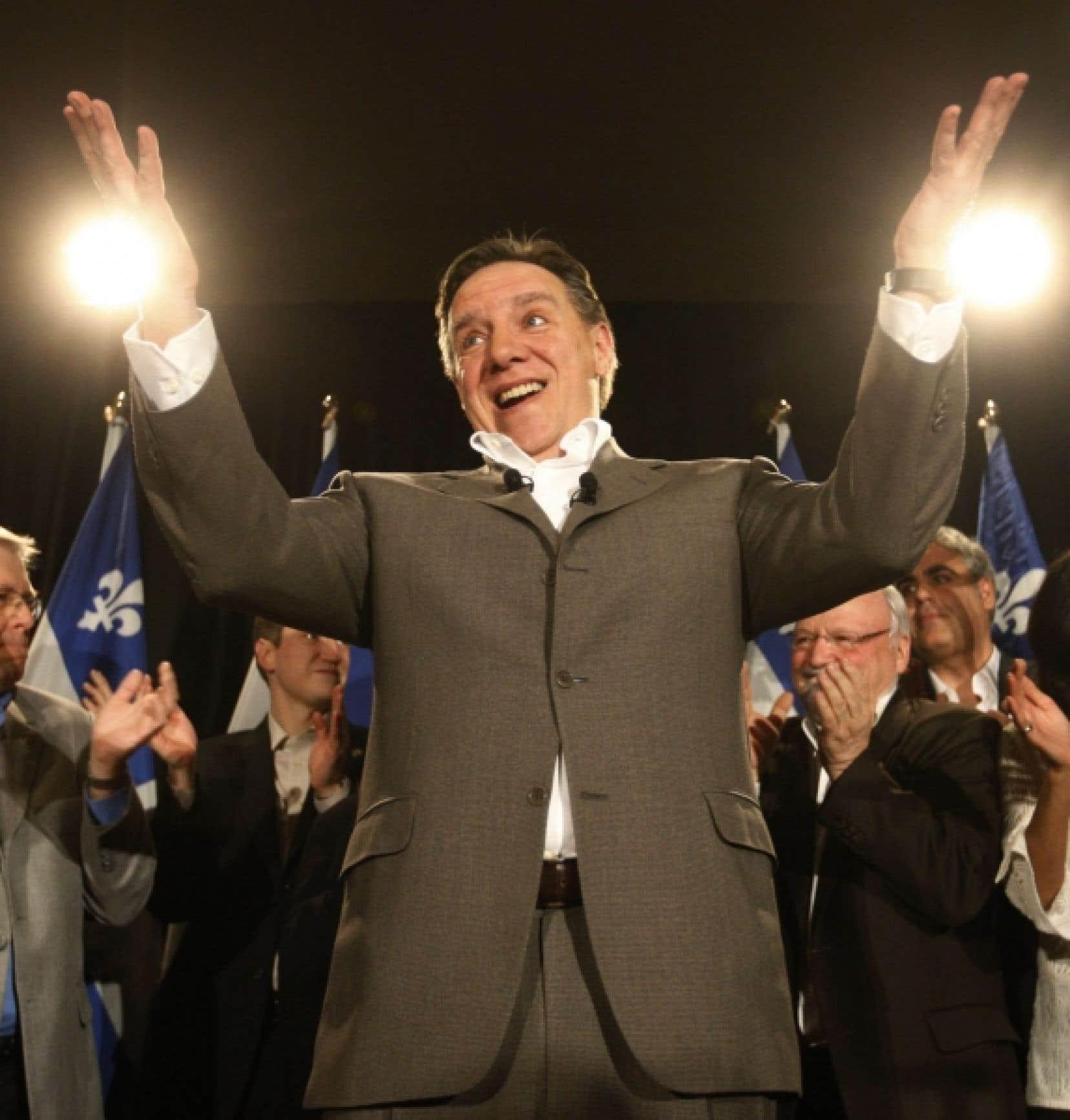 Le baromètre de cette fin de session parlementaire accorde pour la troisième fois de suite le premier rang au chef de la Coalition avenir Québec, François Legault.