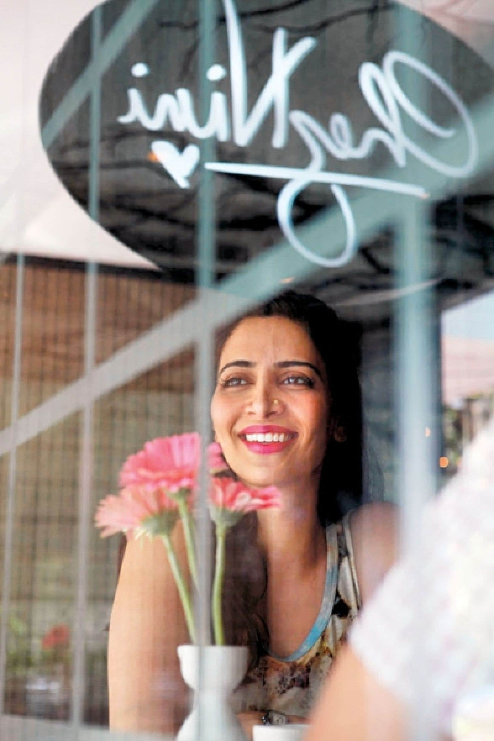 <div> Apr&egrave;s un cours de cuisine &agrave; l&rsquo;ITHQ, Nira Singh est partie en Inde pour un stage de quatre mois dont elle n&rsquo;est jamais revenue. La jeune femme a ouvert un restaurant dans le pays d&rsquo;origine de ses parents.</div>