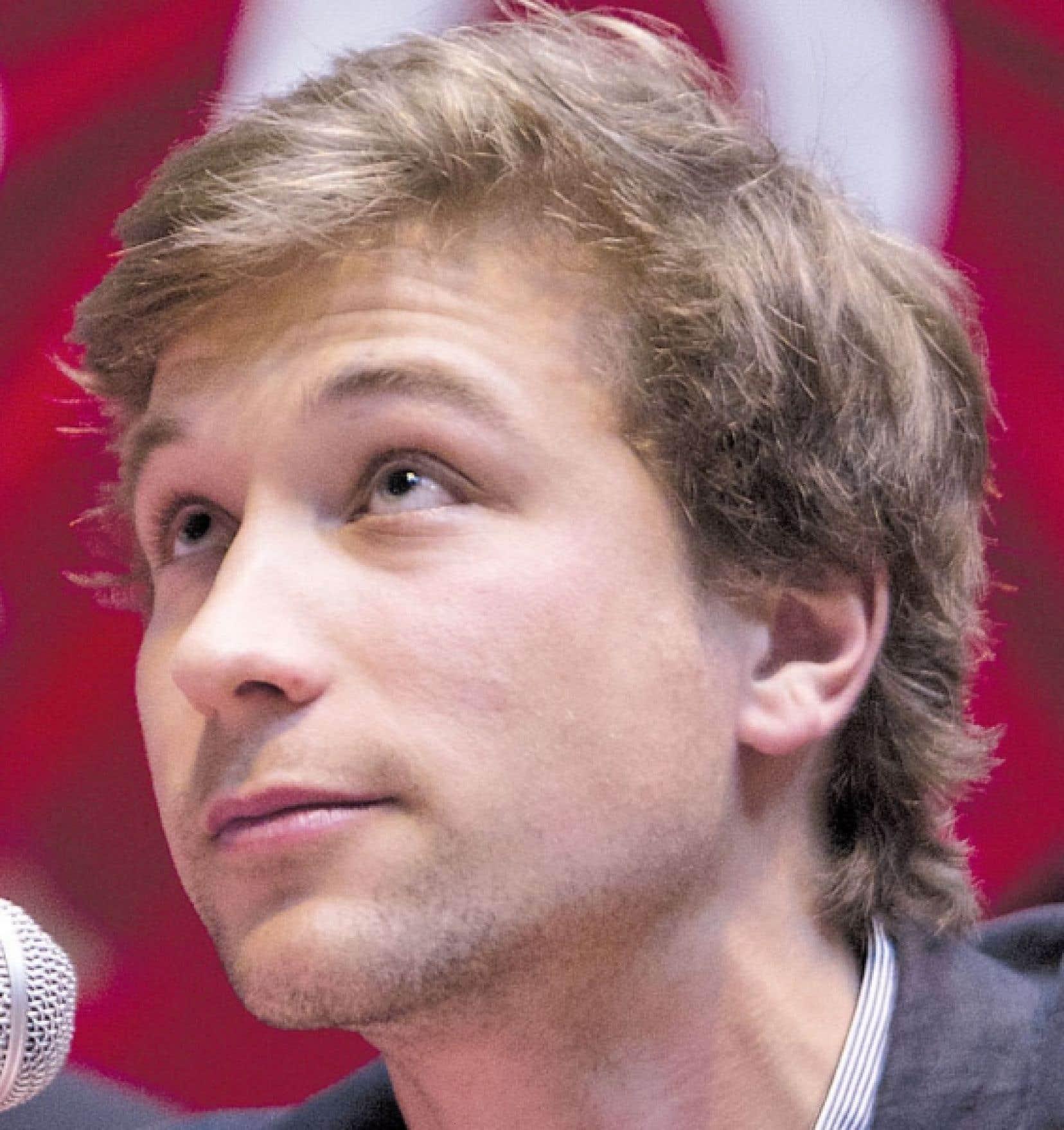 <div> Gabriel Nadeau-Dubois ne prendra plus la parole publiquement tant que durera la grève étudiante.</div>