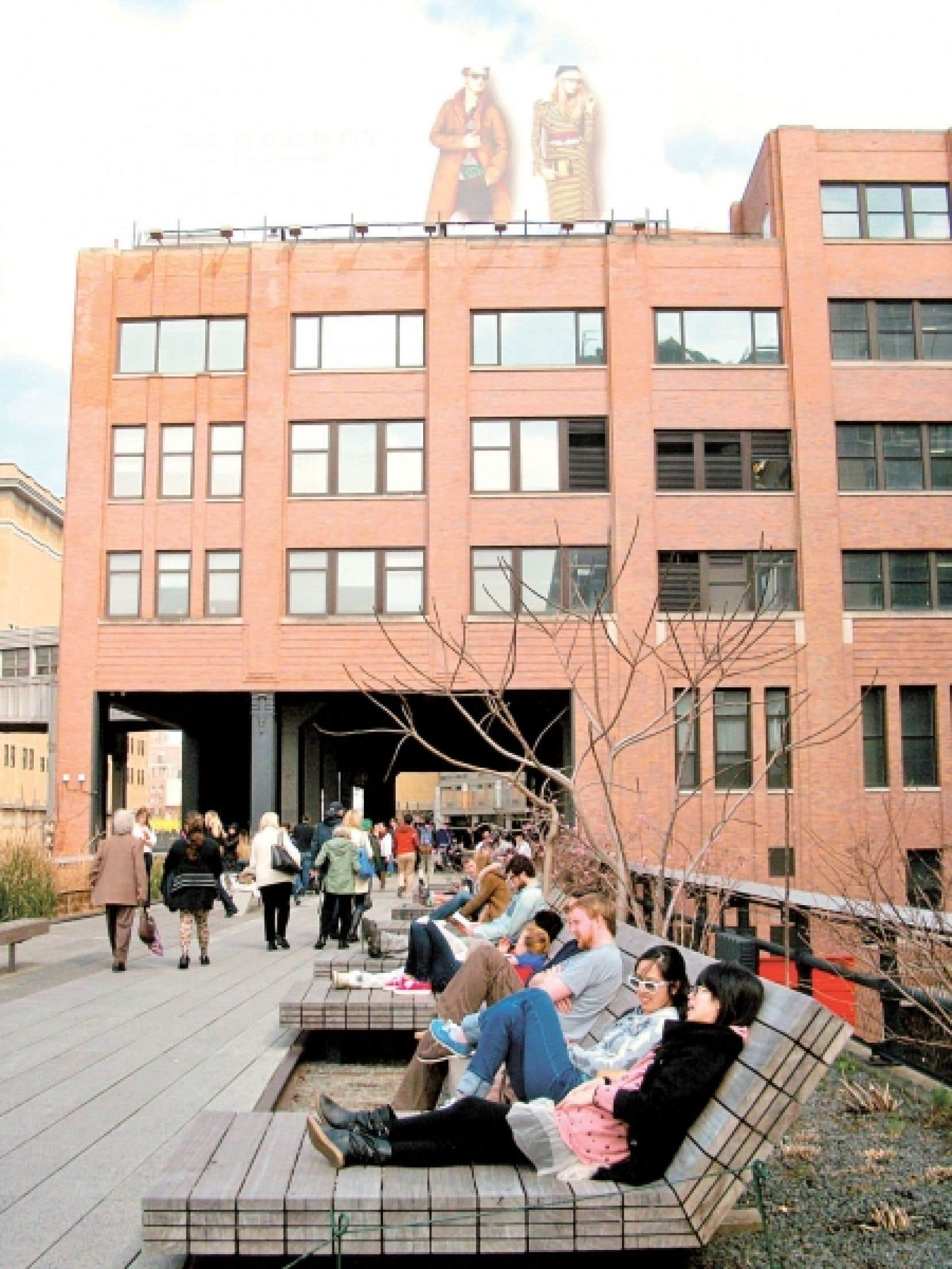 De belles pièces de mobilier urbain donnent envie de s'attarder dans le parc de la High Line, à New York.
