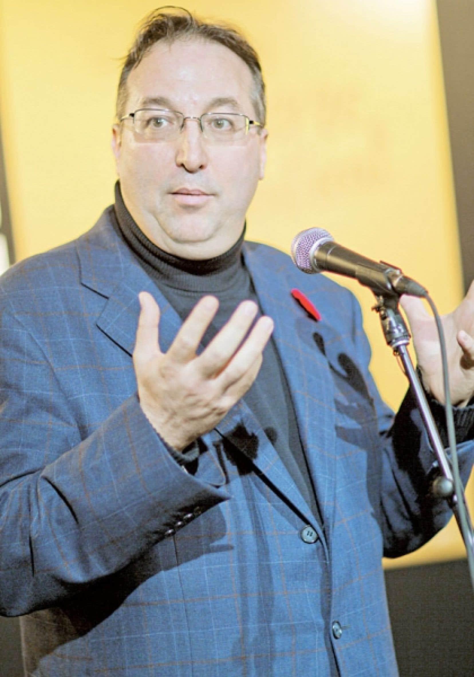 Normand Mousseau affirme que le privé a une trop grande emprise sur l'industrie minière.