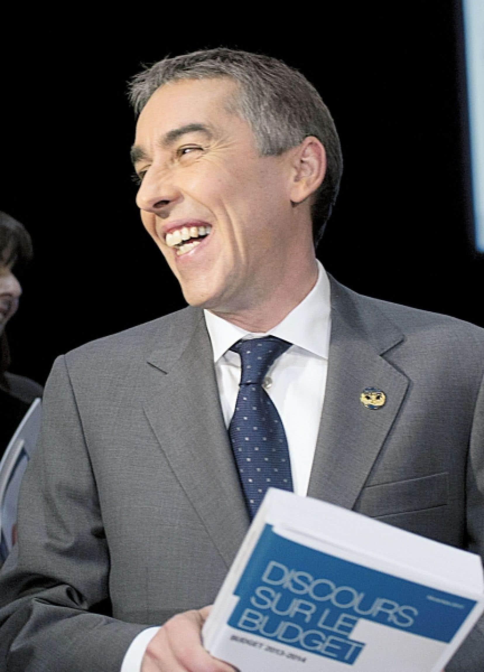 Le ministre des Finances, Nicolas Marceau, a annoncé mardi une réduction de 1,5 milliard par année du niveau moyen des investissements publics en immobilisations au cours des cinq prochaines années.
