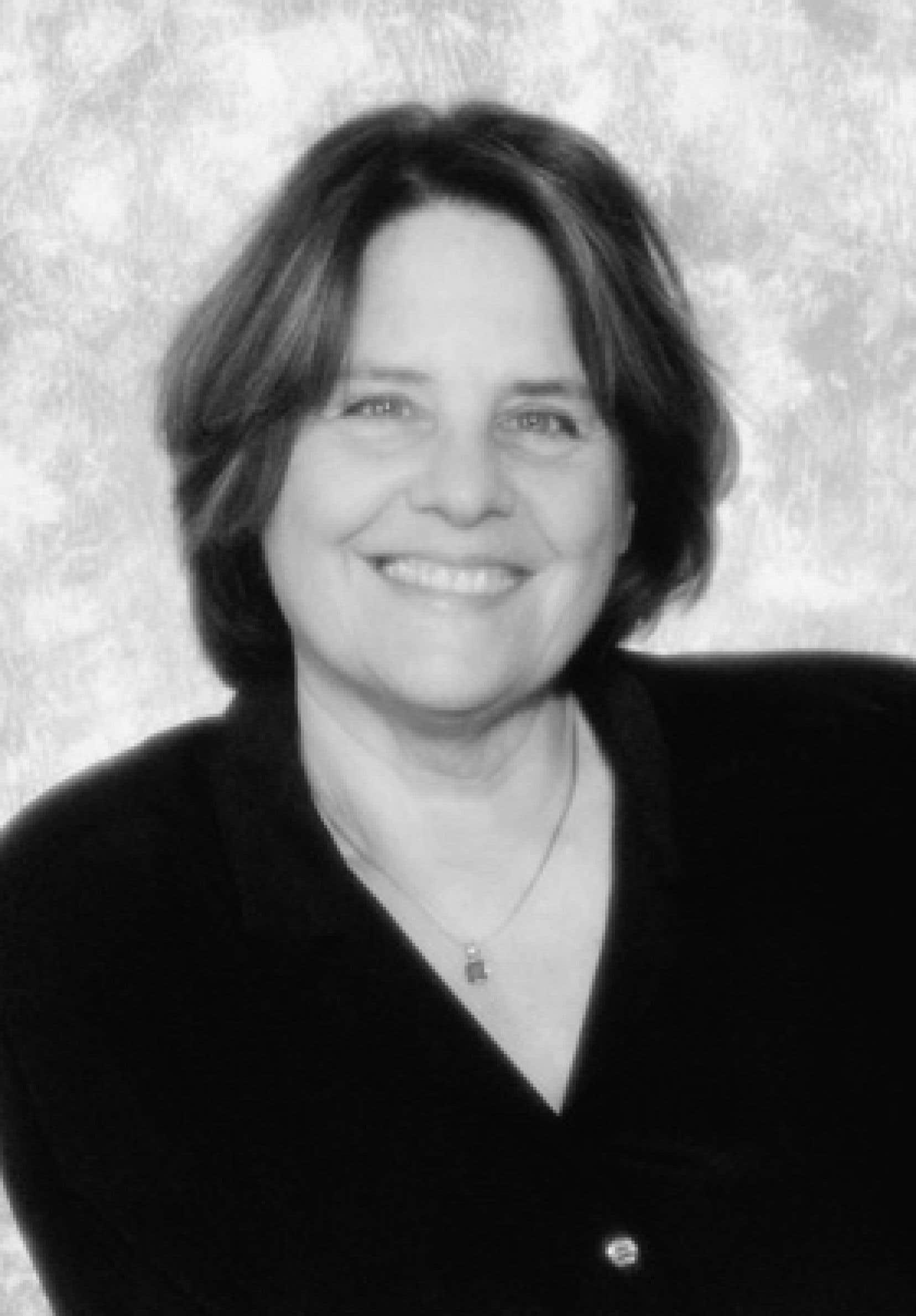 Lise Gauvin se consacre à l'enseignement, à la recherche et à l'écriture depuis plus de 30 ans.