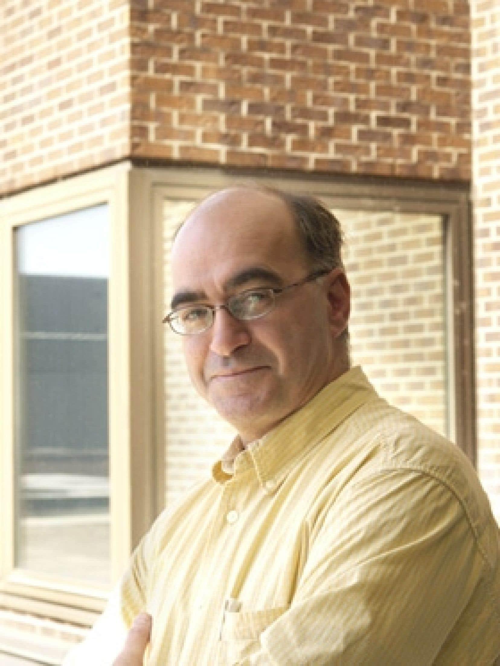 Professeur de science politique à l'Université du Québec à Montréal, Alain G. Gagnon souhaiterait un Québec autonome, comme peuvent l'être le pays de Galles et l'Écosse au sein du Royaume-Uni.