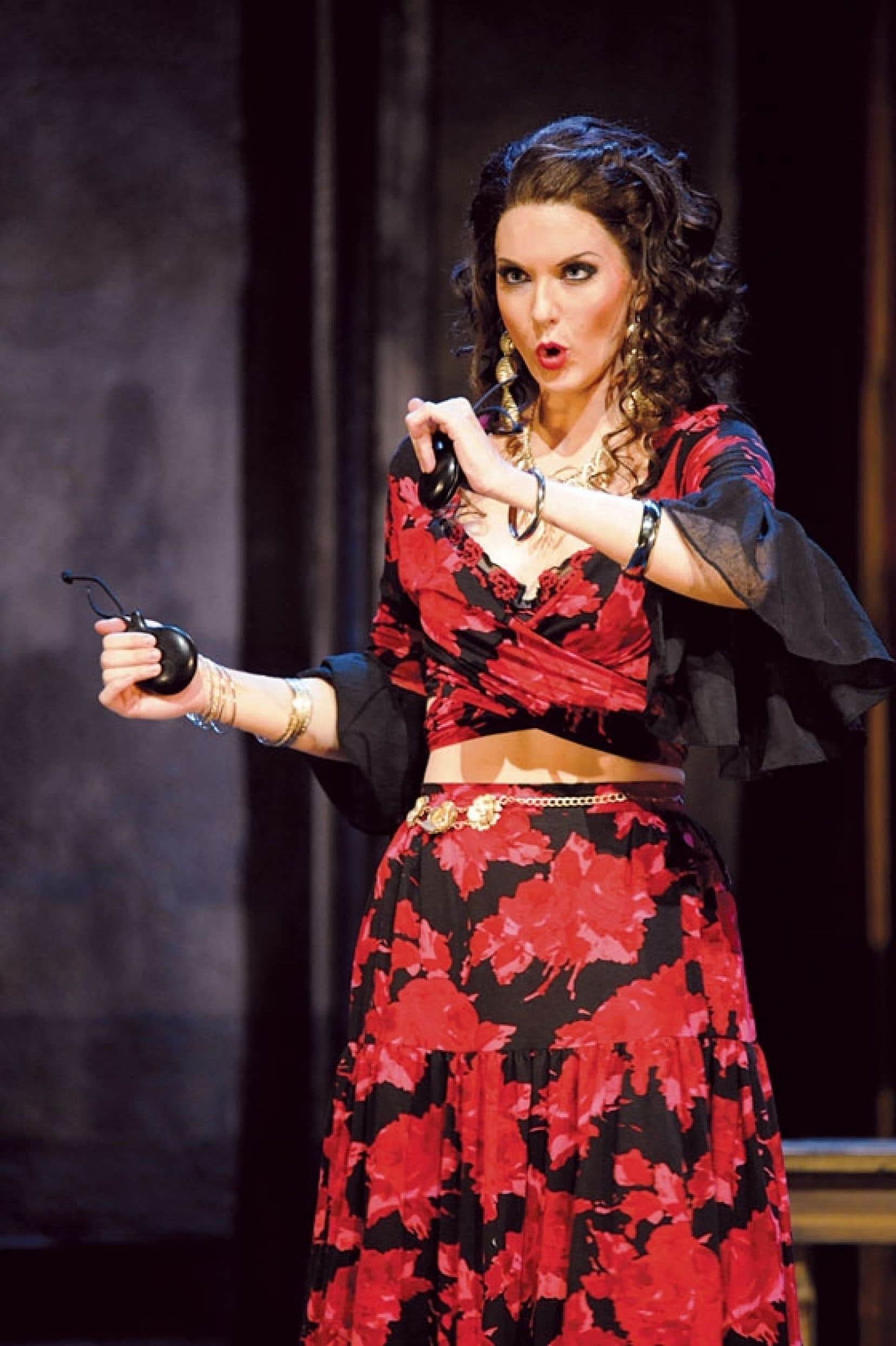 Comme d'autres jeunes ambassadeurs lyriques, la mezzo-soprano Mireille Lebel, ici au théâtre d'Erfurt, a la chance de chanter les grands rôles du répertoire à l'étranger.