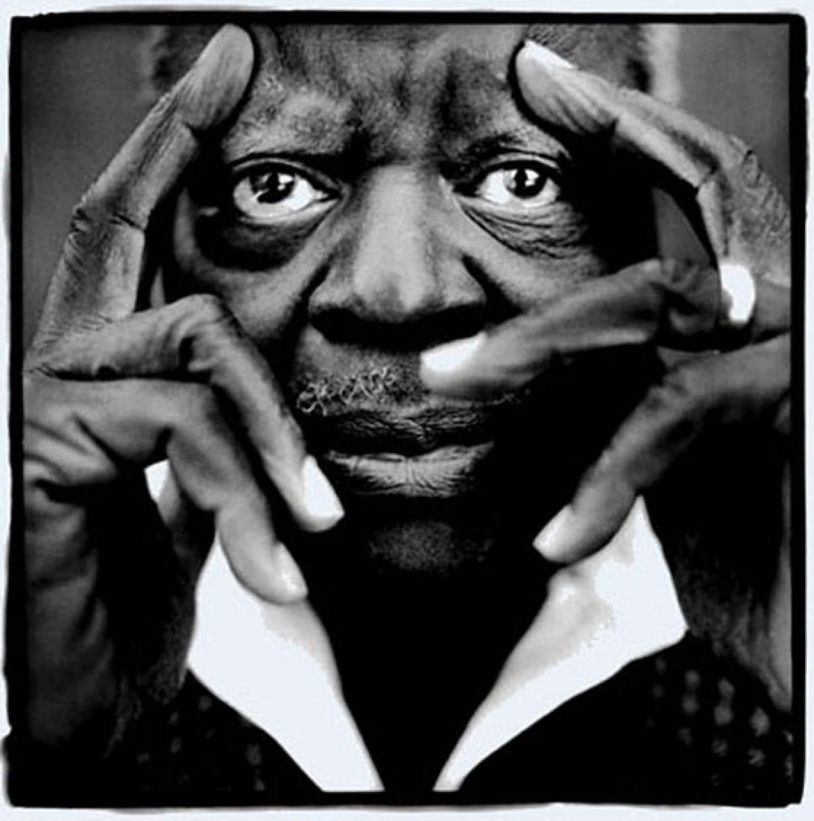 Le photographe franco-québécois était connu pour ses portraits en noir et blanc des visages du jazz, dont Oscar Peterson.
