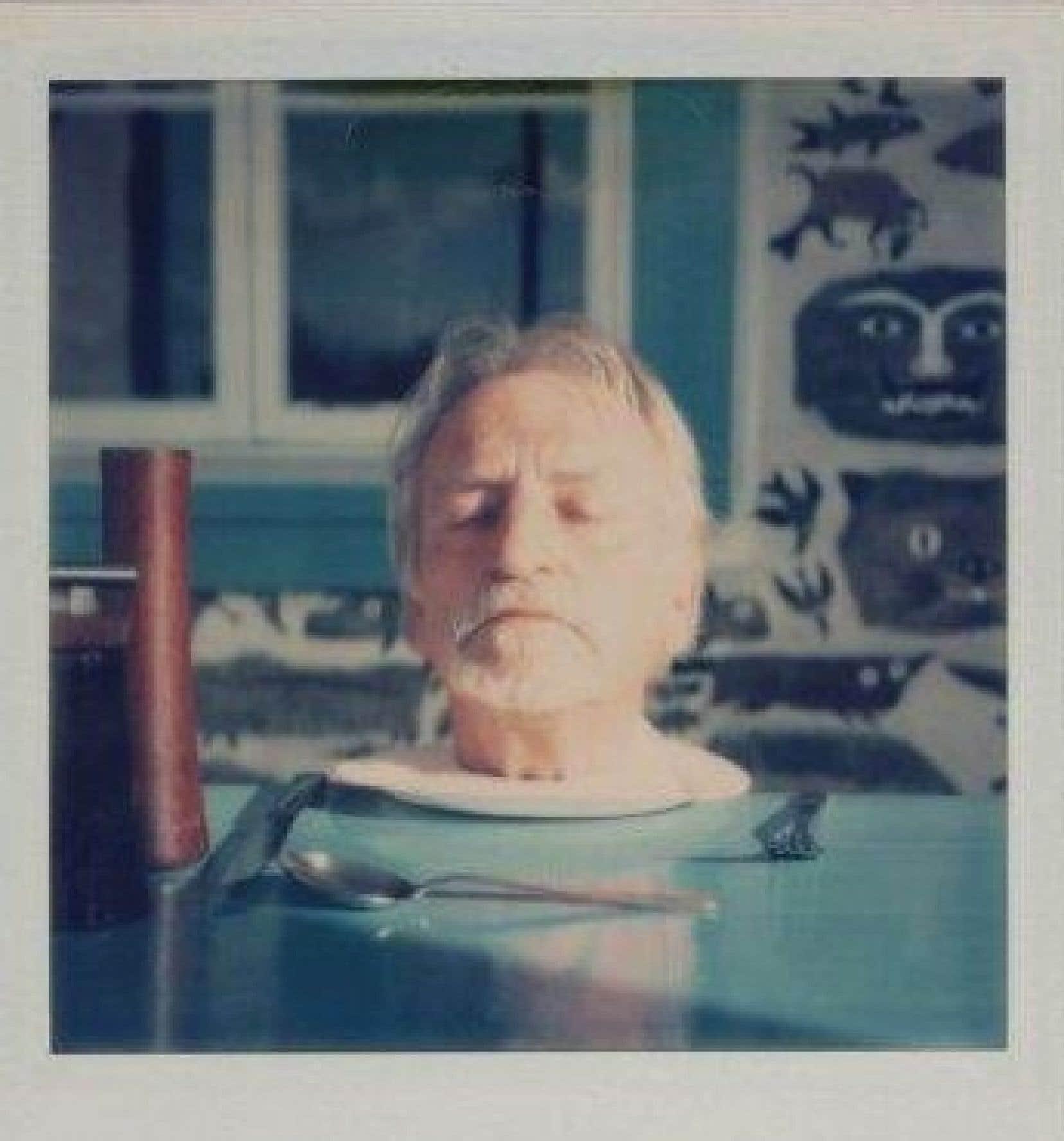 Nature morte, autoportrait humoristique d'Alfred Pellan, est une mise en scène montrant l'artiste, la tête déposée dans une assiette, immortalisé à l'aide d'un Polaroïd par sa femme Madeleine.