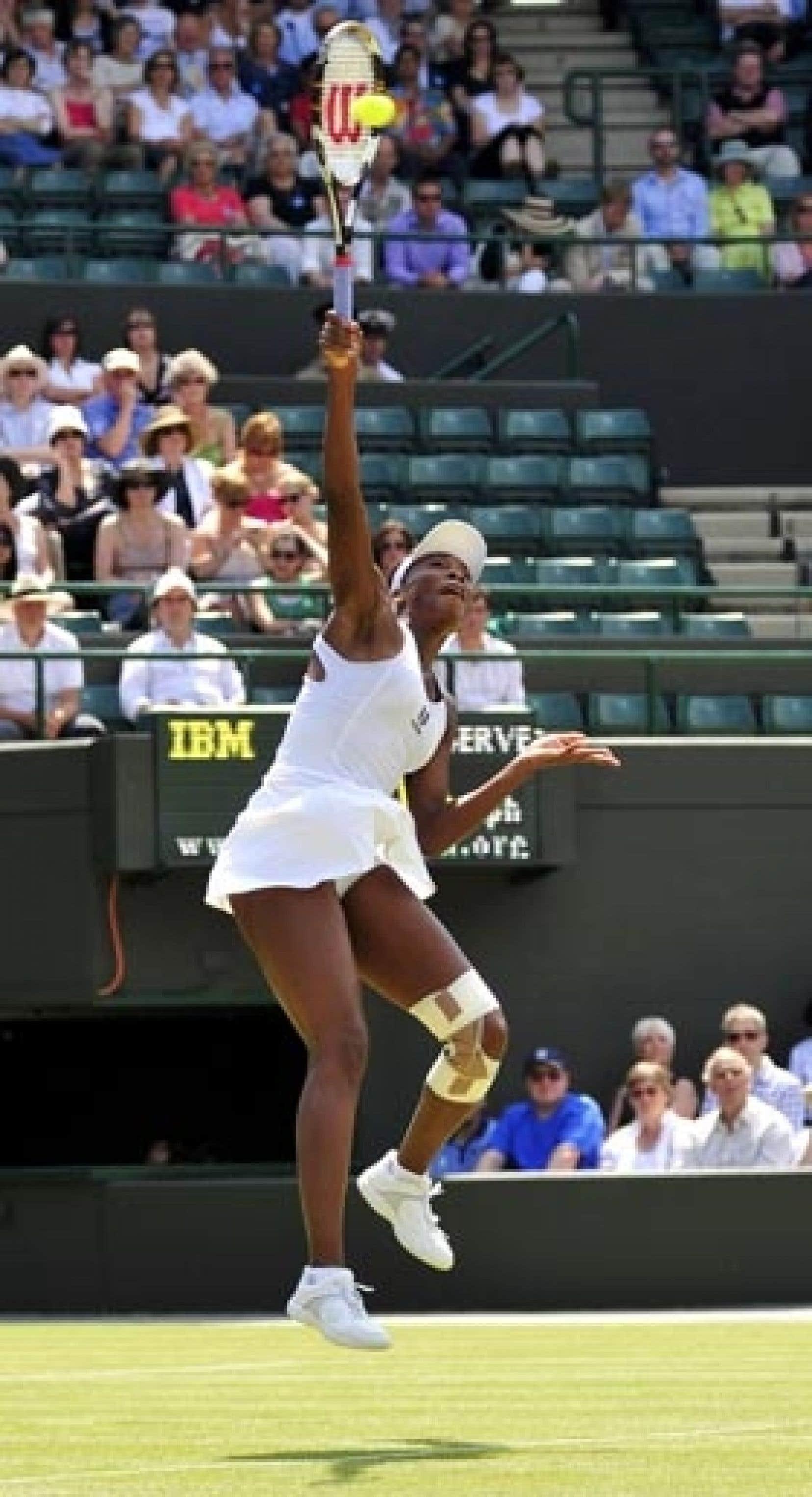 Lors du match qu'elle a gagné, Venus Williams jouait le genou entouré d'un bandage. La joueuse n'a pas fait état d'une blessure.