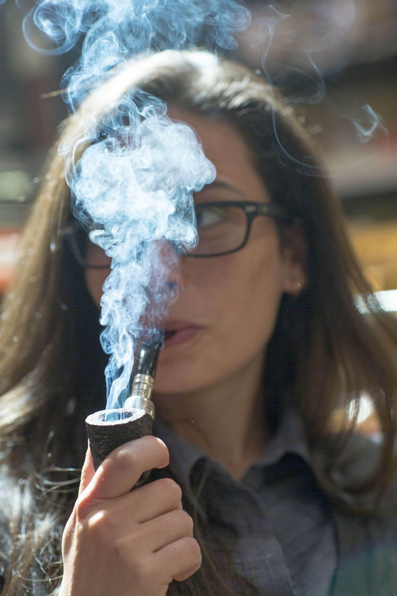 Depuis quelques années, les fumeurs de pipe se trouvent en grande partie dans la tranche d'âge des 19 à 30 ans.