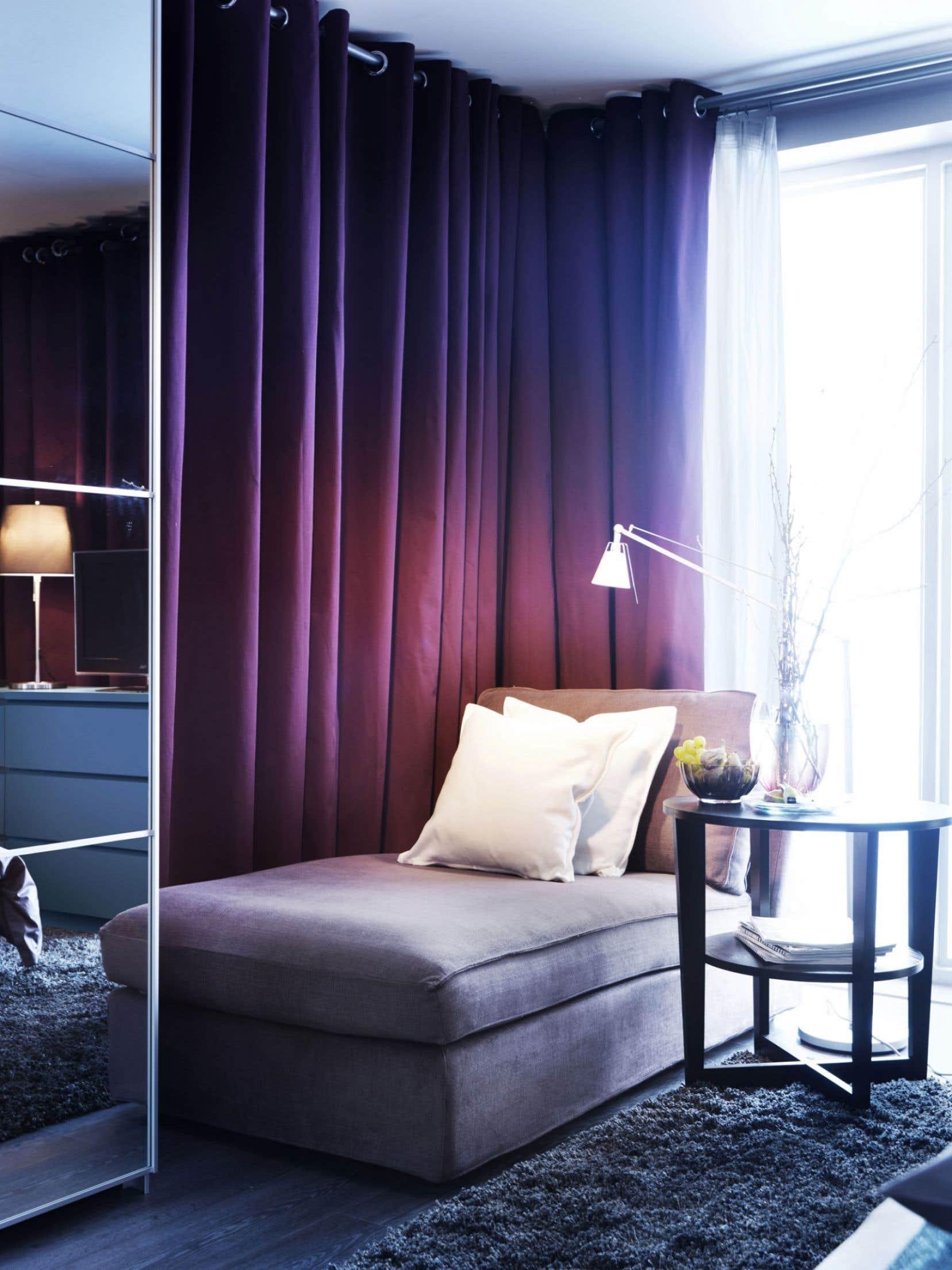 Avant de faire son choix annuel, Pantone sonde l'influence des couleurs dans le monde à travers la culture populaire, le monde de la mode et même les destinations de voyage.
