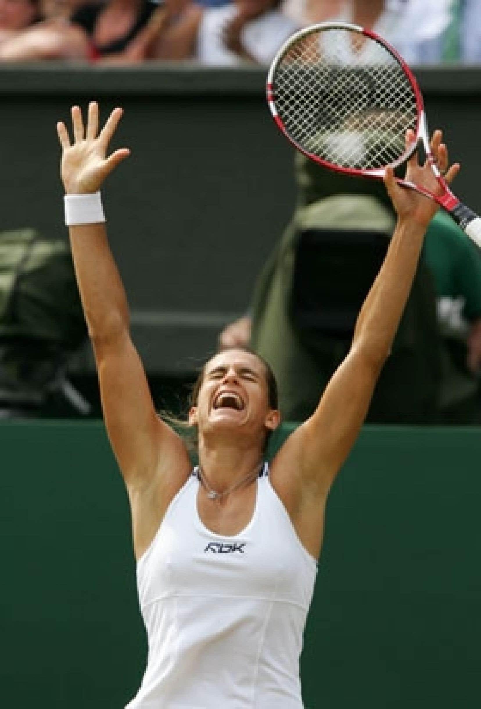 Amélie Mauresmo, la gagnante de l'édition 2006 du tournoi de tennis de Wimbledon.