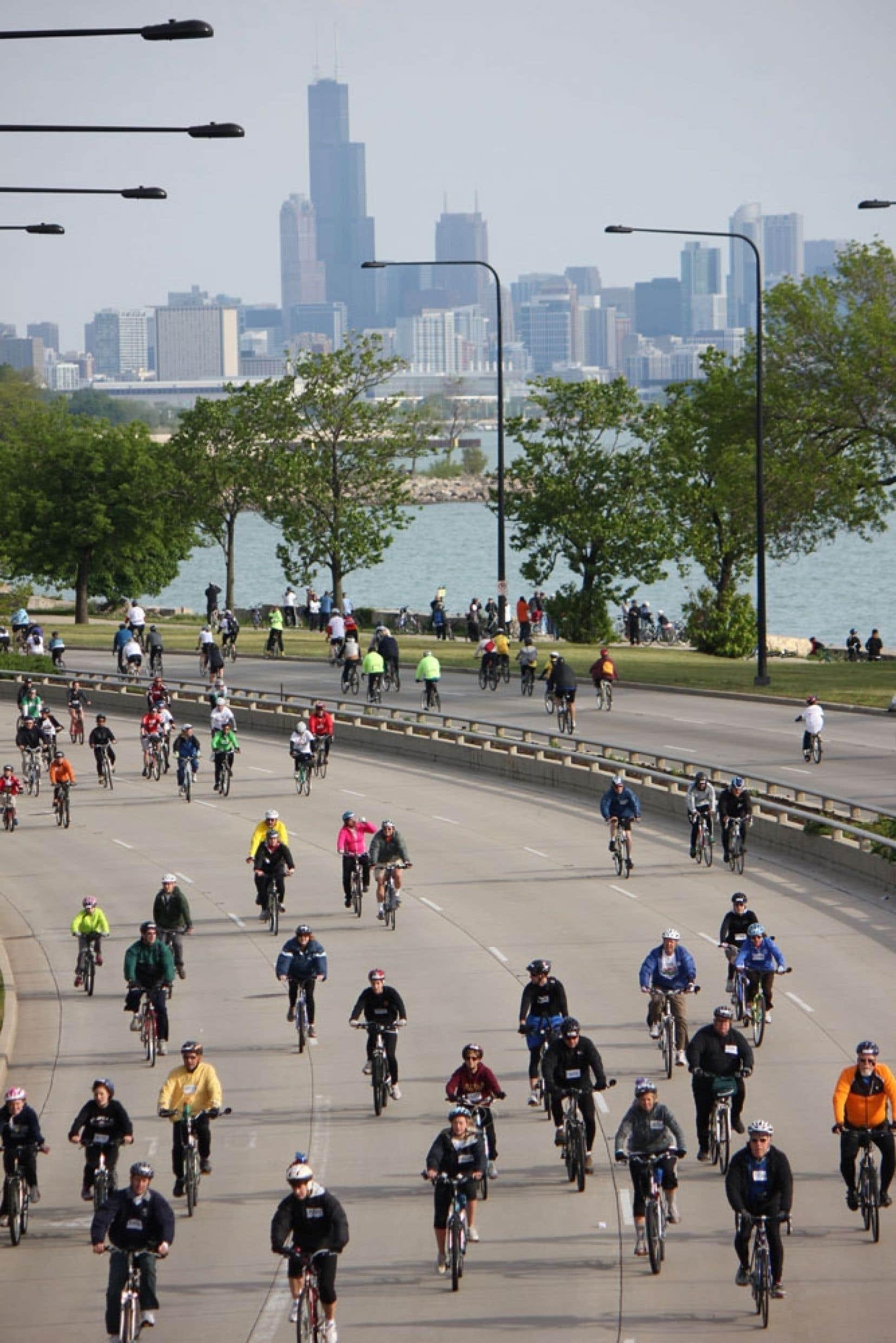 Le tour Bike the Drive de Chicago se déroule dans une boucle de presque 50 kilomètres.