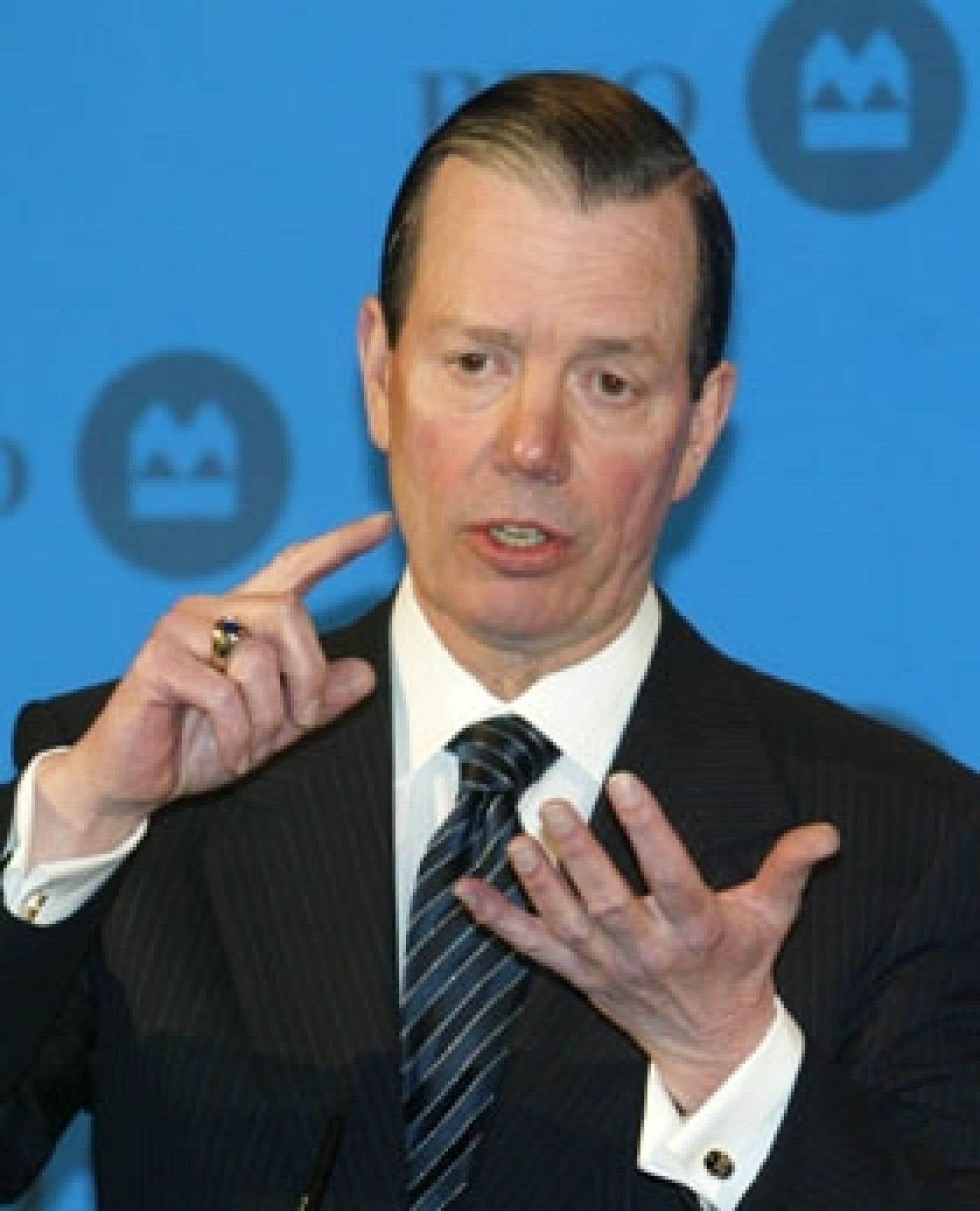 Le président et chef de la direction de BMO Groupe financier, Tony Comper, a annoncé que 1000 postes, soit environ 3 % des effectifs, seron abolis à la suite d'un examen de ses activités et de la façon dont le groupe soutient ses ventes et son ser