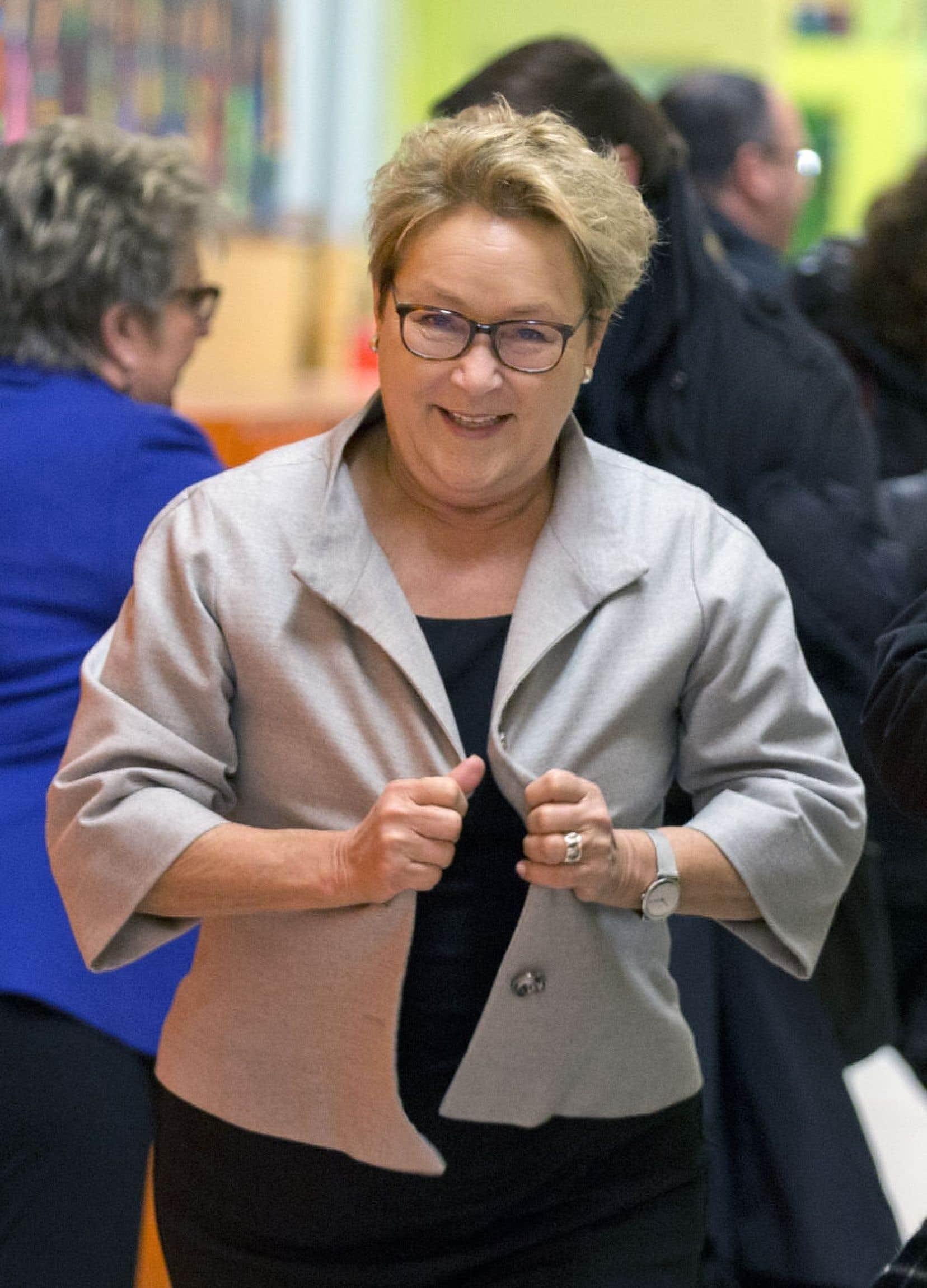 """«On a une femme, actuellement, qui est au pinacle du pouvoir d'État au Québec, Pauline Marois. Il est possible que d'avoir une femme au """"top"""", ça incite davantage d'entre elles à aller voter, à s'intéresser à la politique et, peut-être, éventuellement à s'impliquer», estime la politologue Manon Tremblay."""