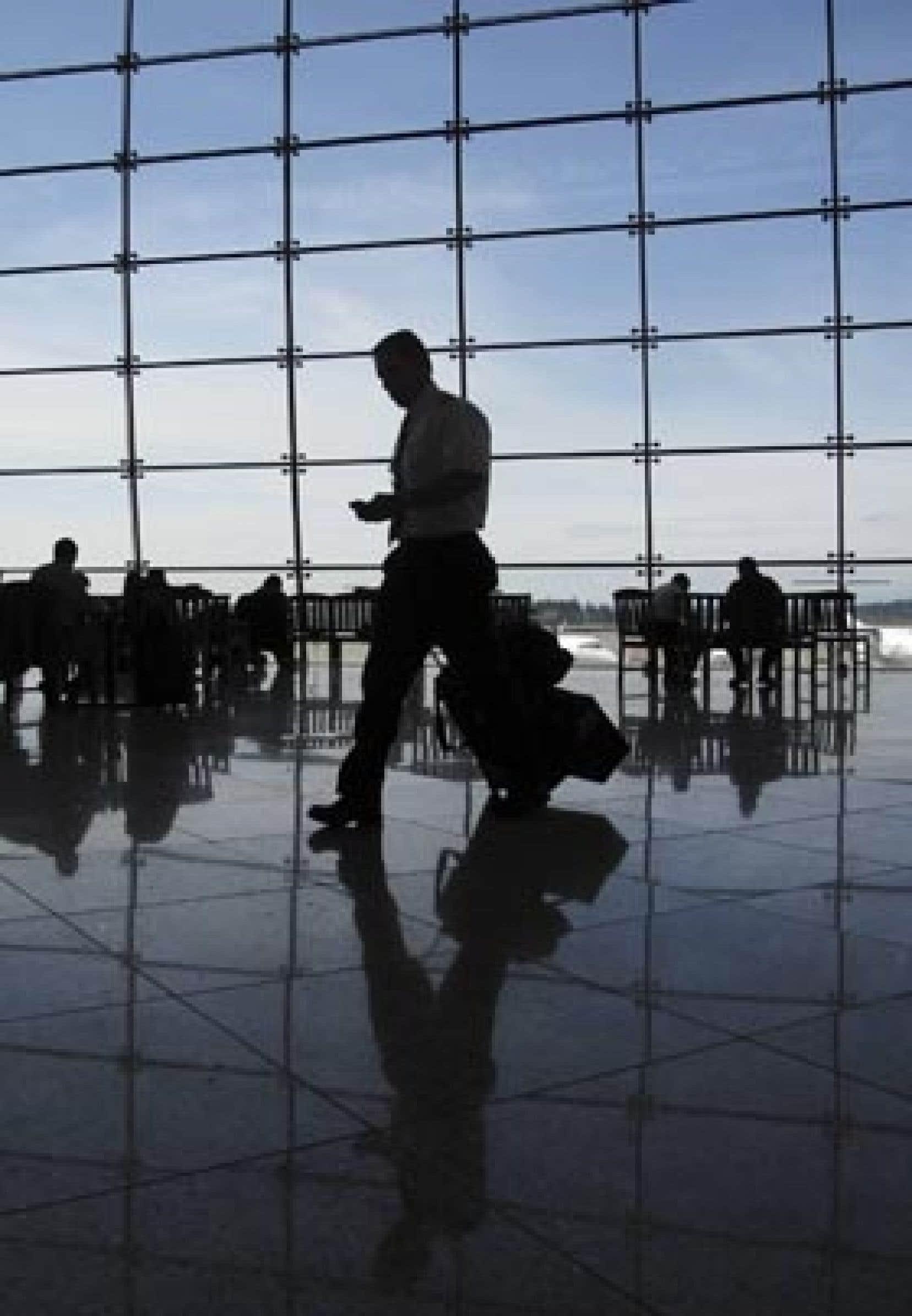 Selon l'Association internationale du transport aérien, les conséquences de la crise économique mondiale sont pires que celles engendrées en 2001 par les attentats terroristes du 11-Septembre aux États-Unis.