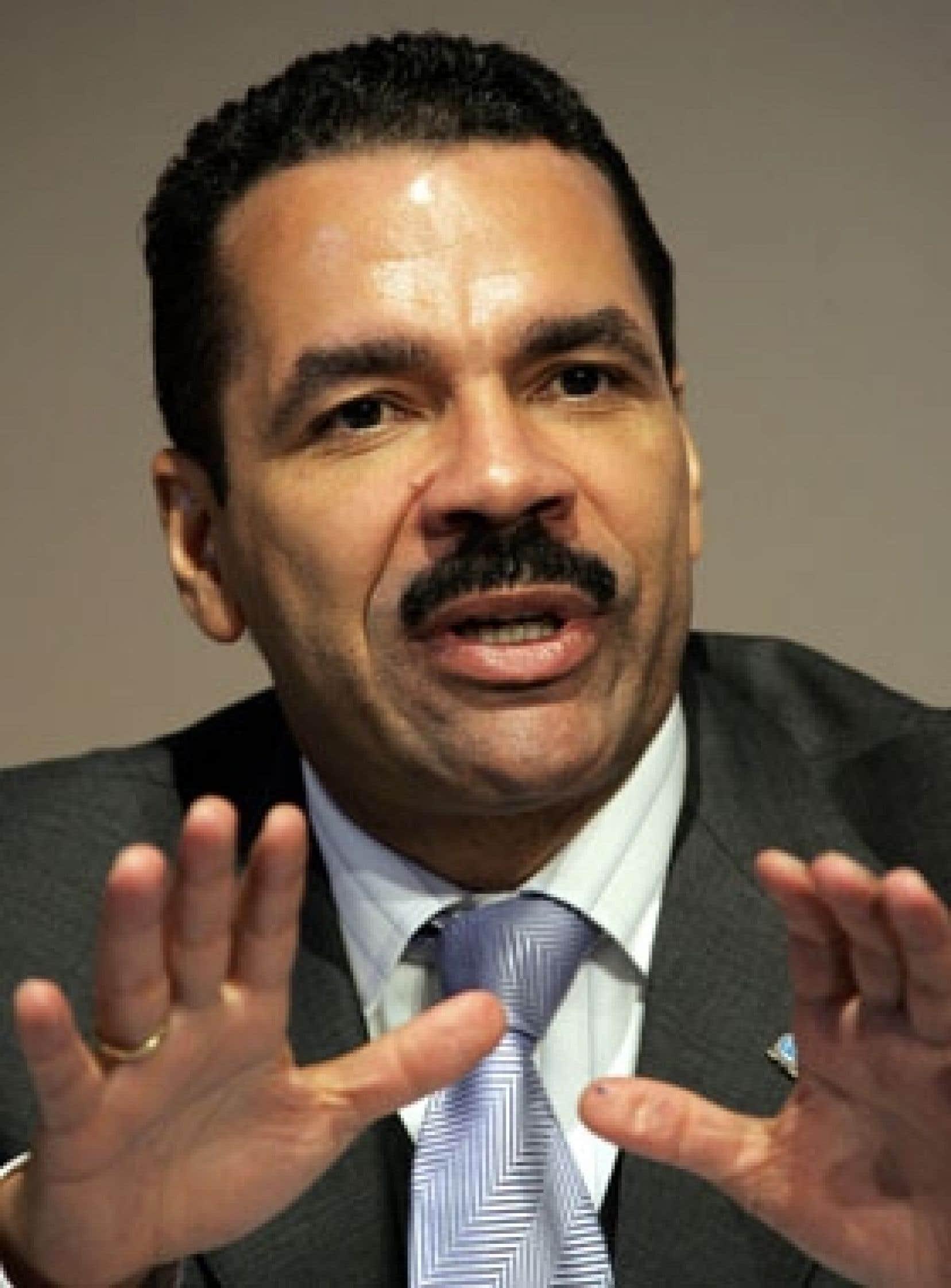 Ronald K. Noble, secrétaire général d'Interpol, juge que la GRC et son directeur n'ont rien à se reprocher dans l'affaire Arar.