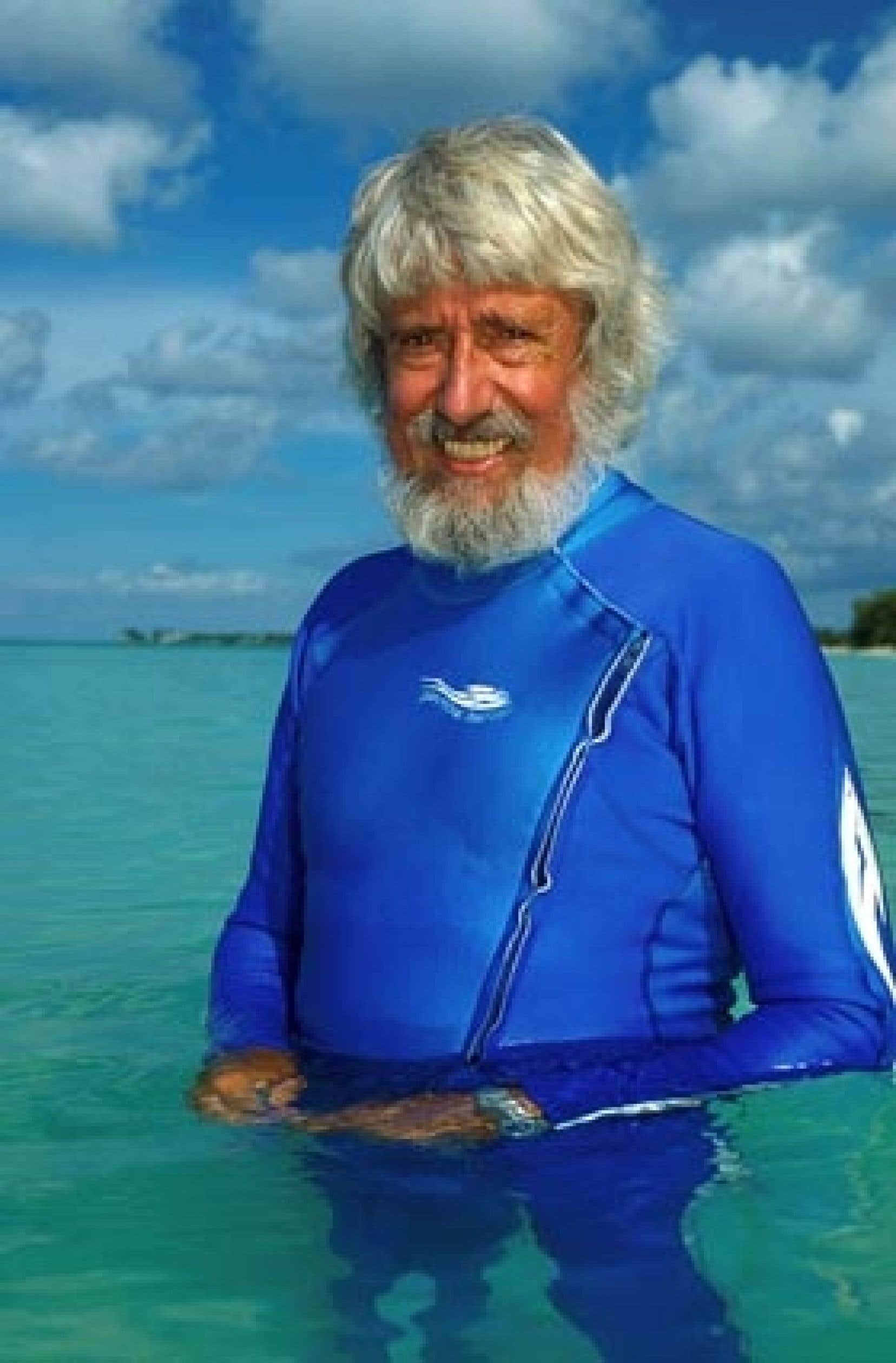 Jean-Michel Cousteau marche sur les traces de son célèbre père, Jacques-Yves, qui commanda la Calypso.