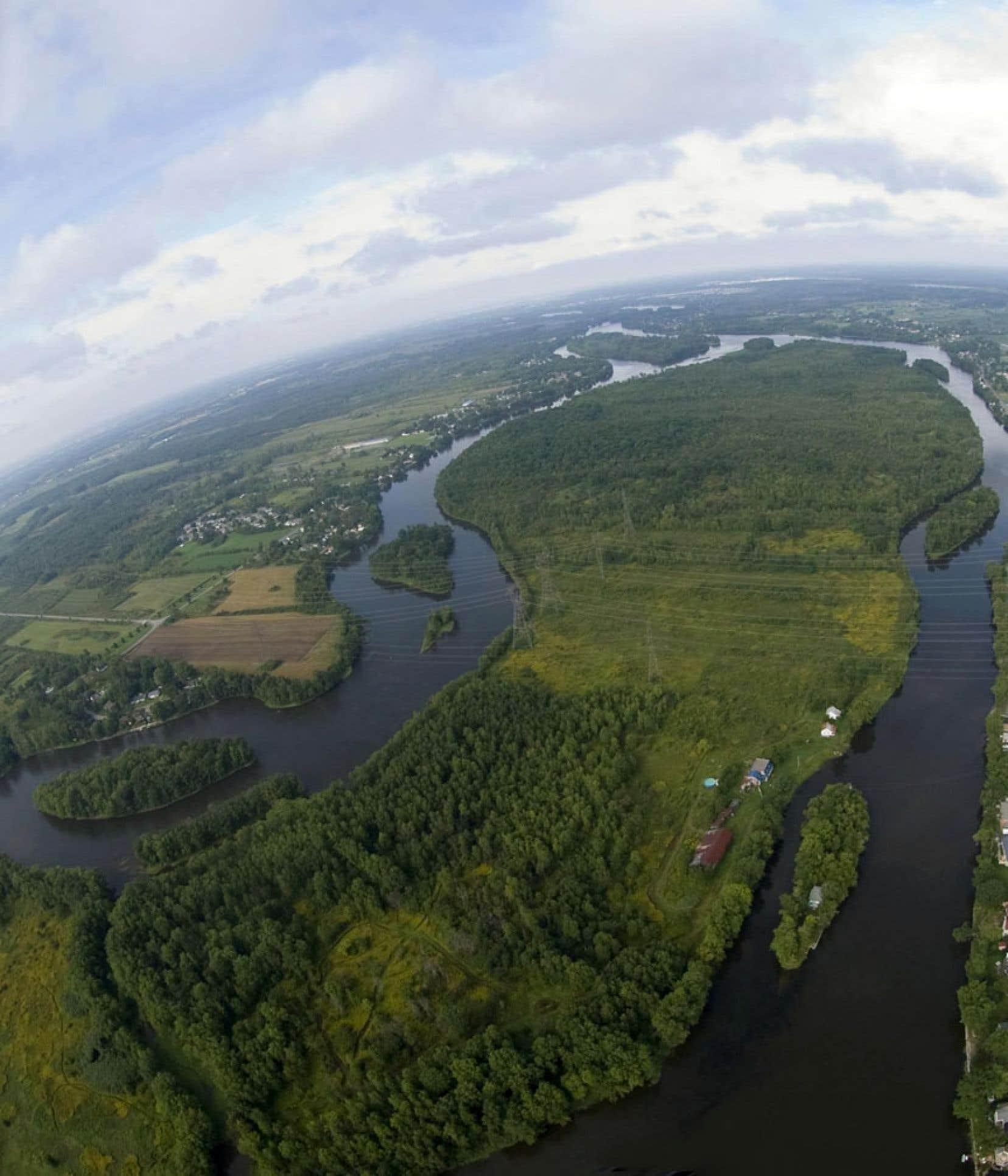 Le parc de la rivière des Mille-Îles fait partie des cinq projets en cours orientés vers la TVB, aux côtés entre autres d'un axe cyclable reliant Oka à Mont-Saint-Hilaire.