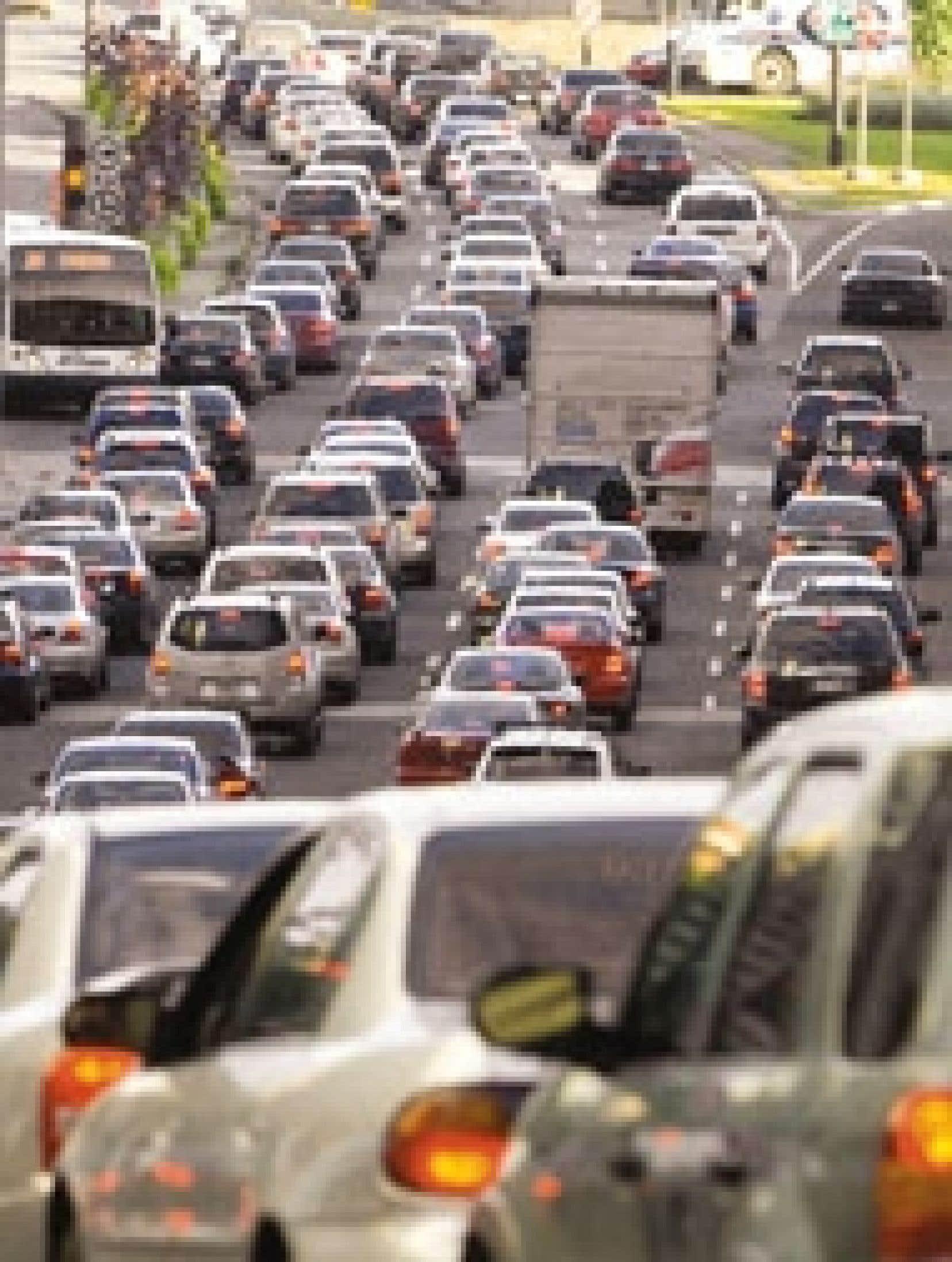 Le ministère des Transports faisait état hier d'environ 10 000 véhicules de moins que d'habitude sur les ponts de Laval à l'heure de pointe.