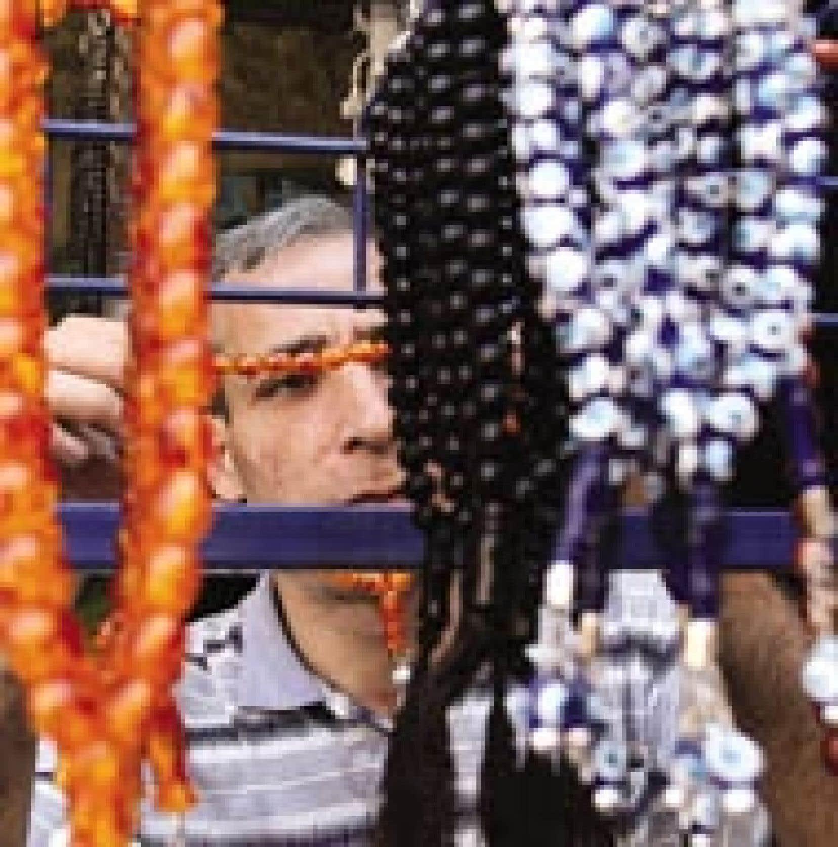 Ce Palestinien faisait samedi des achats en prévision du ramadan.