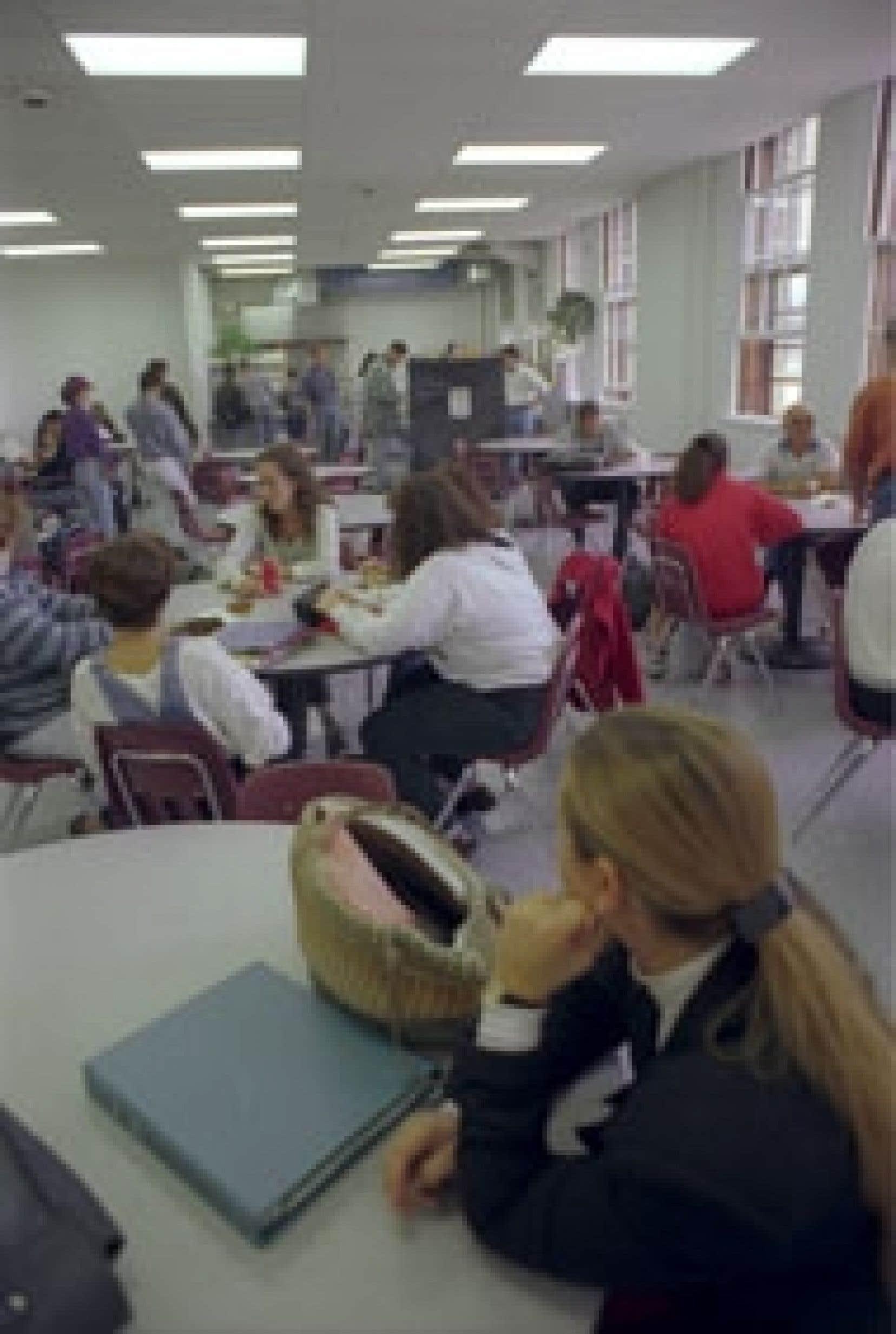 Les élèves ont le choix de s'inscrire ou non dans un cheminement international au secondaire.