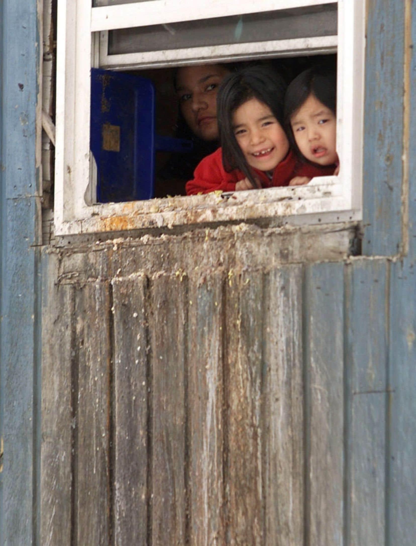 Les lacunes de droits qui affligent les communautés autochtones sont inexcusables dans un pays comme le Canada, ajoute le rapporteur de l'ONU.