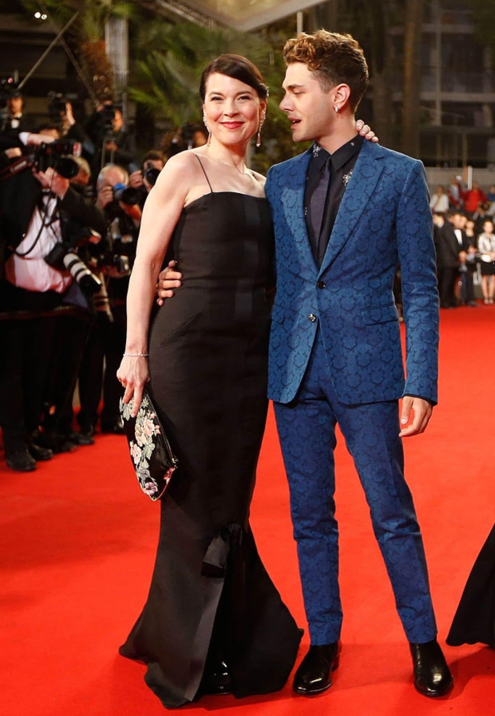 Anne Dorval et Xavier Dolan ont défilé sur le tapis rouge jeudi à l'occasion<br /> de la présentation officielle — et attendue — de Mommy.