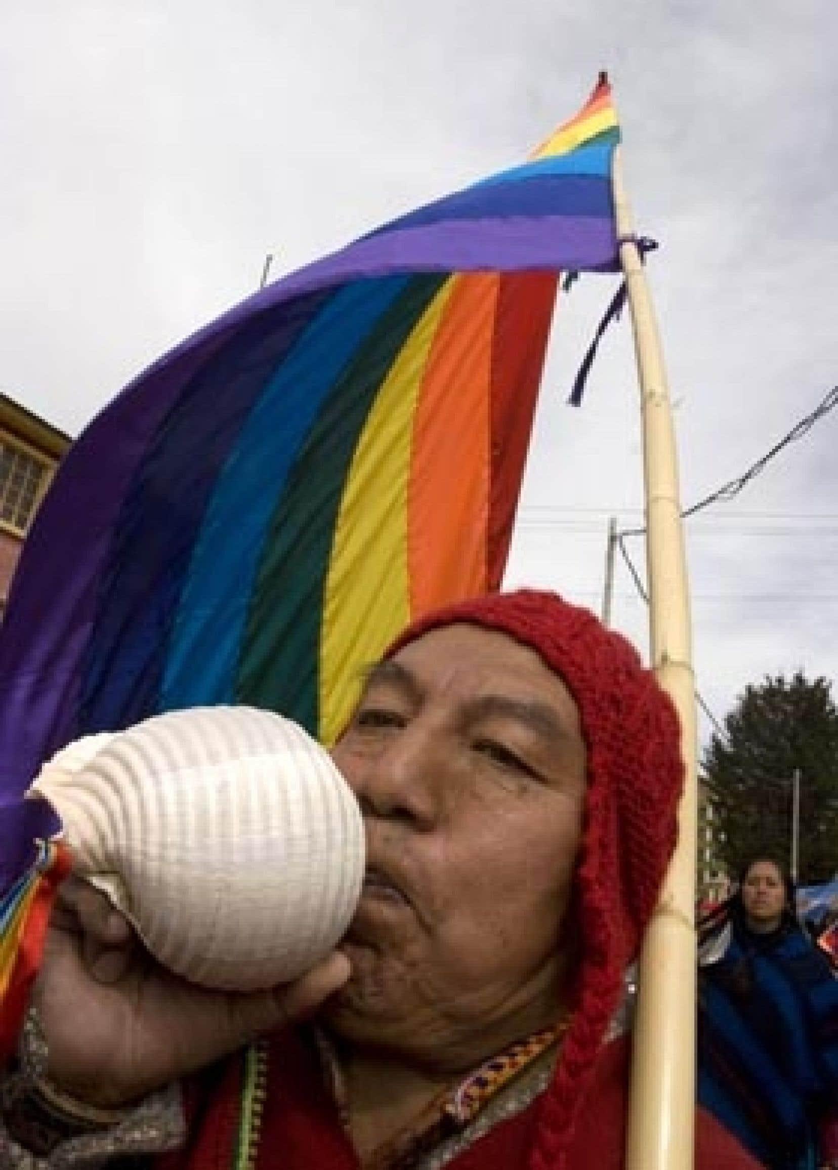 Un Indien Aymara a soufflé dans son putoto pour annoncer l'ouverture du sommet.