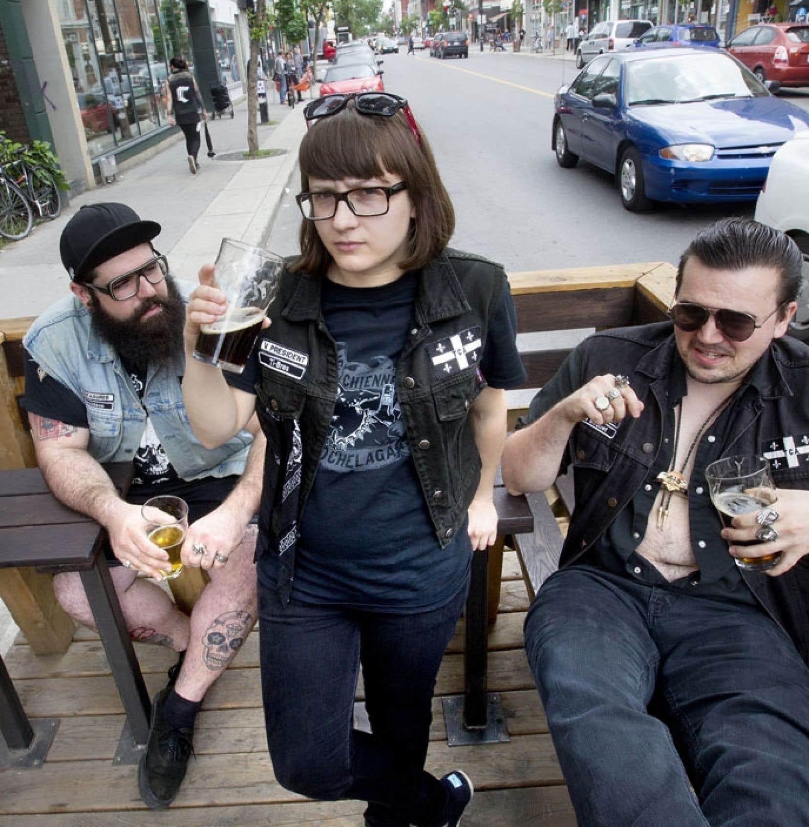 Davidson, Ti-Bras et Le Baquet forment la nouvelle curiosité de l'art à Montréal.