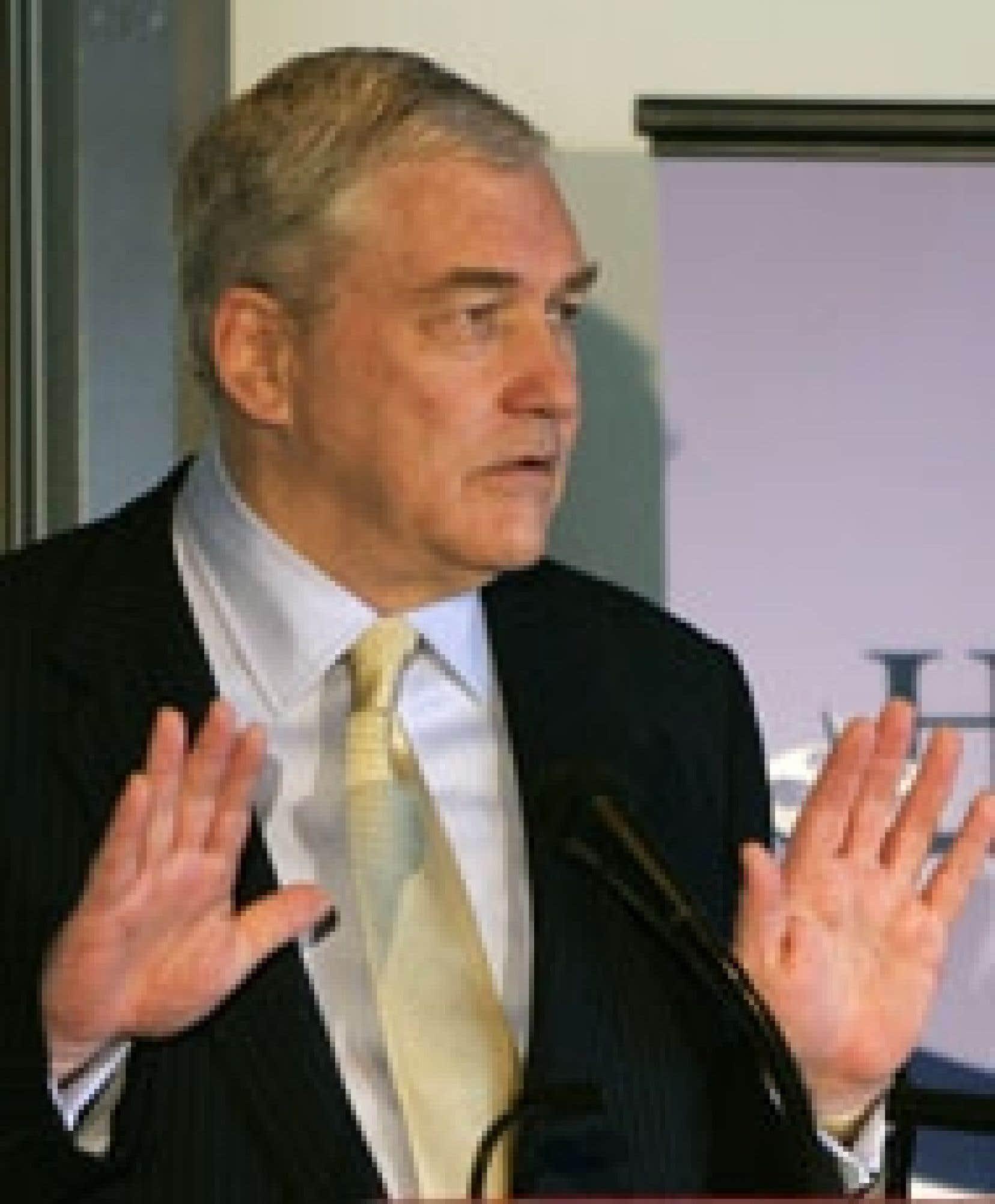 La poursuite de Hollinger vient s'ajouter à ce chassé-croisé de recours qui oppose le magnat déchu de la presse et ses entreprises depuis 2003.