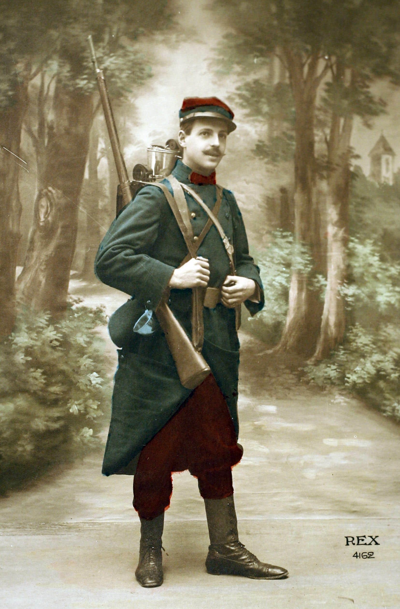 Photo d'un Poilu, soldat de l'Infanterie française de la guerre 14-18.