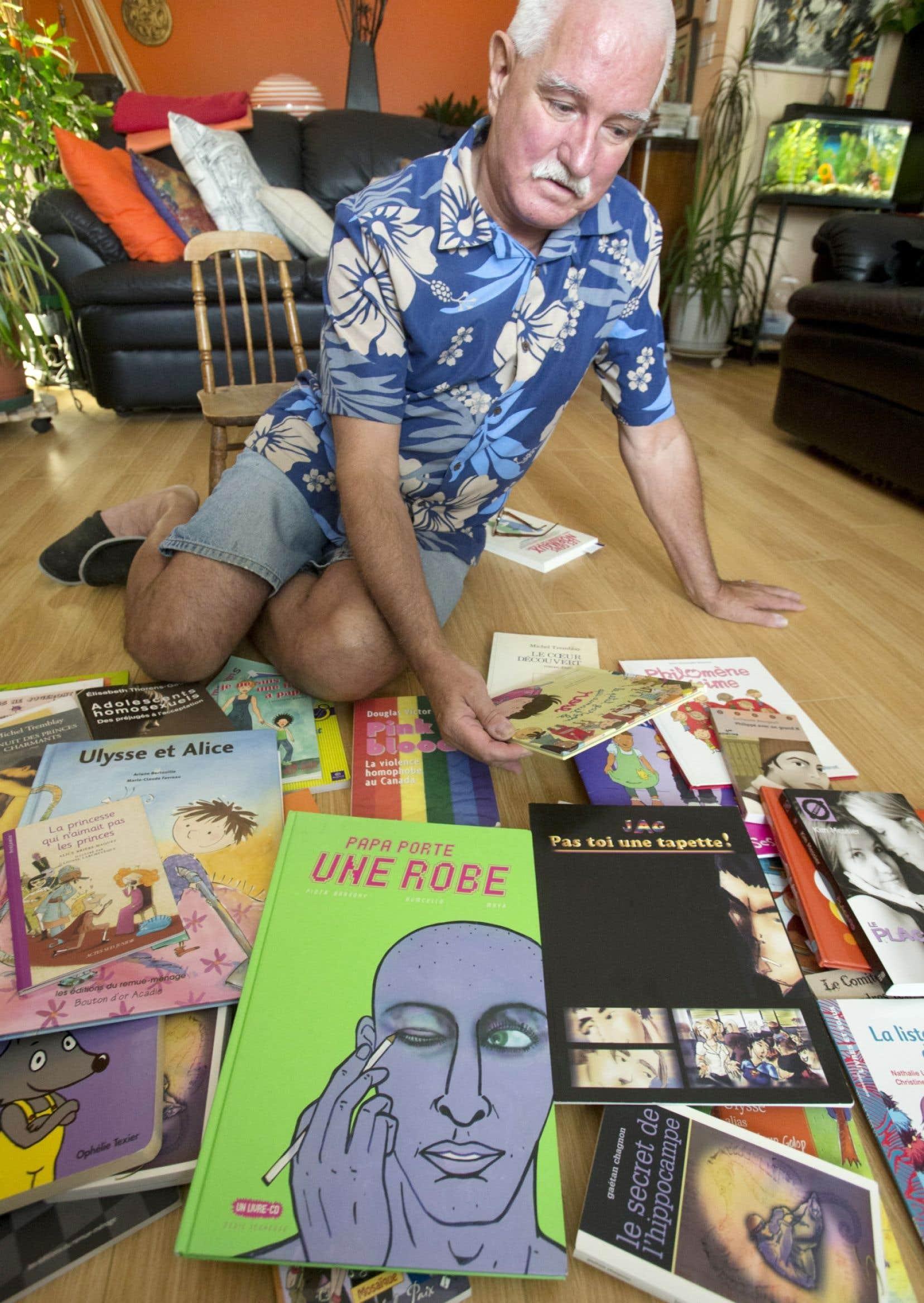 Jacques Pétrin, le président du Comité pour la diversité sexuelle et l'identité de genre de la CSQ, a répertorié une sélection d'ouvrages, dont plusieurs seront accompagnés d'un guide pédagogique.
