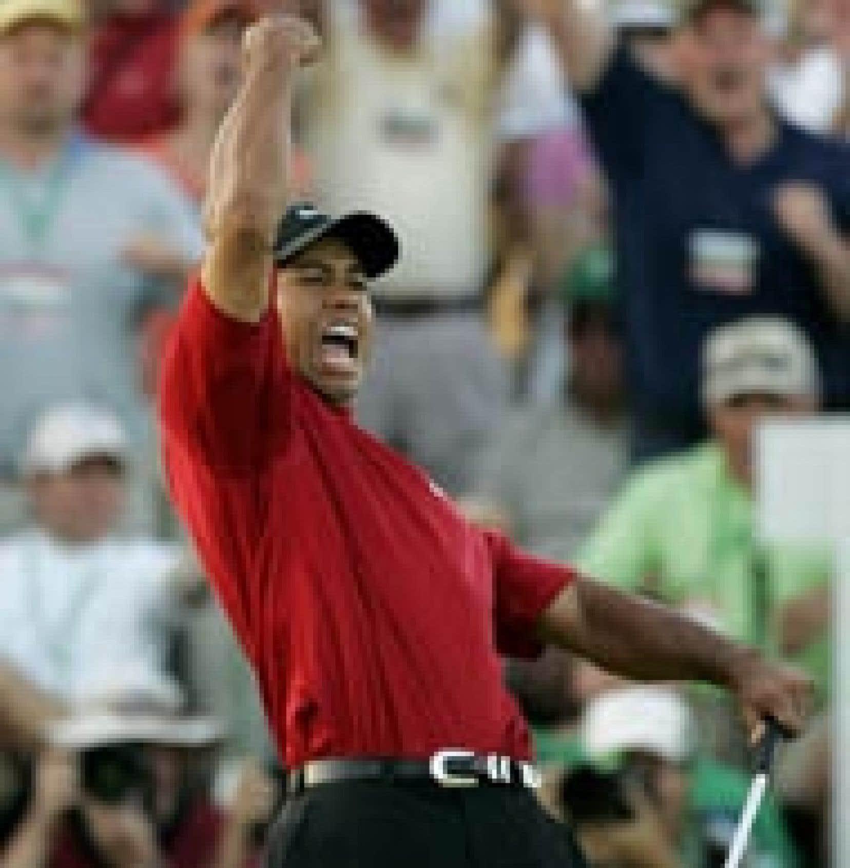 Tiger Woods était visiblement heureux de remporter un quatrième Tournoi des Maîtres. Il en profite par le fait même pour reprendre la place de no 1 mondial au Fidjien Vijay Singh.