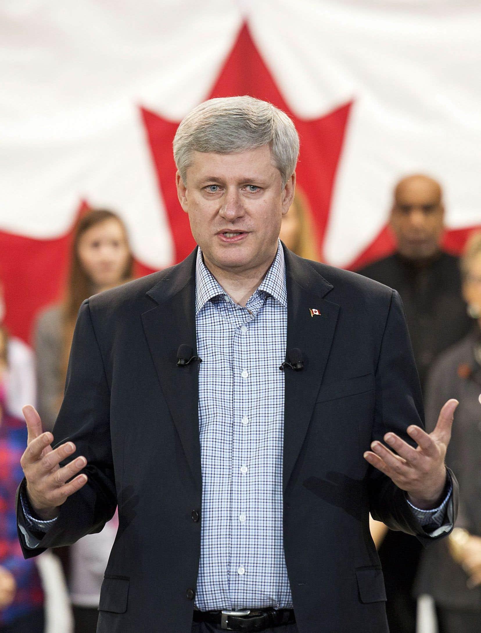 Le premier ministre Stephen Harper s'est une fois de plus porté à la défense des soldats canadiens déployés en Irak.