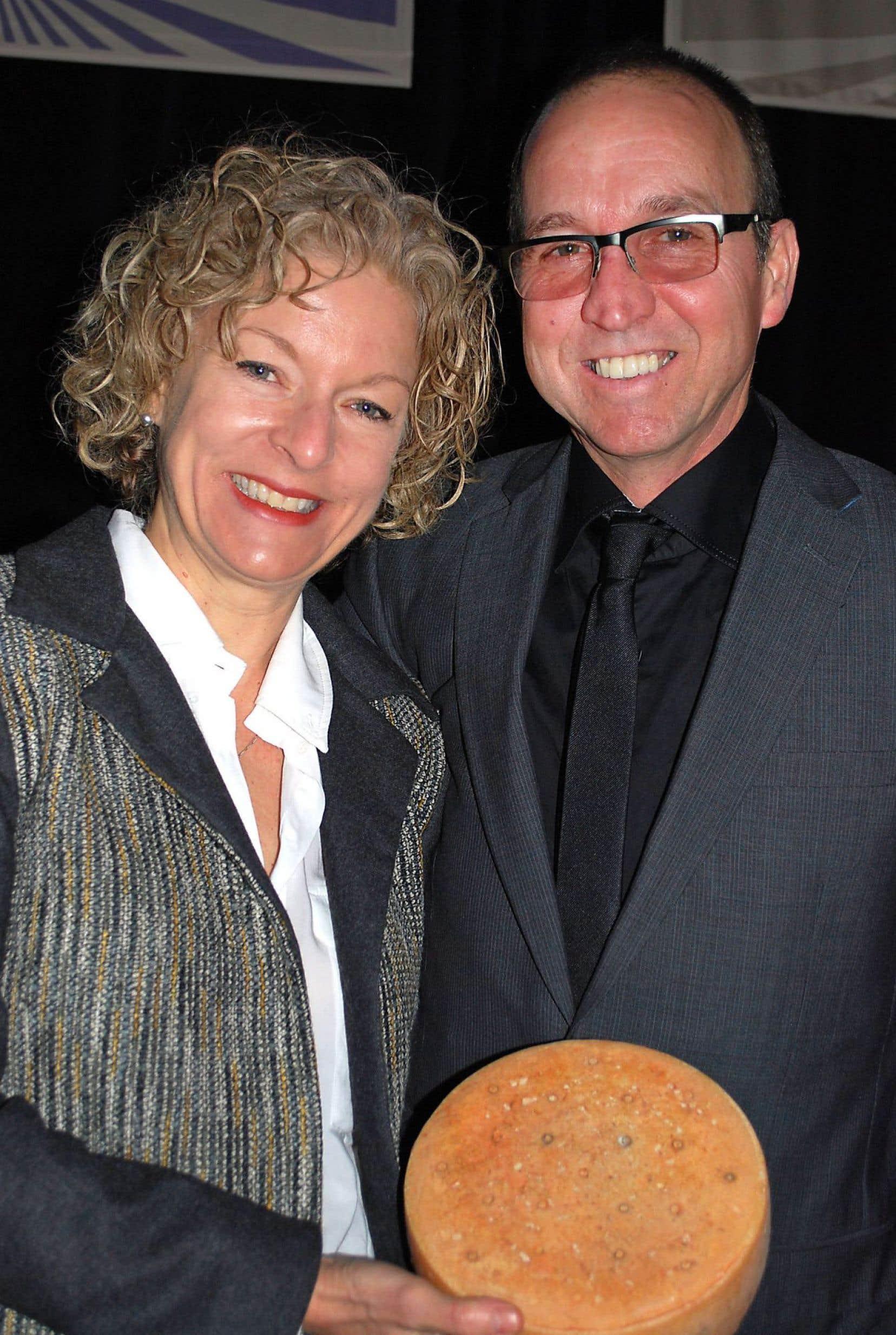 Suzanne Dufresne et Daniel Gosselin sont restés fidèles à leur vocation première : faire du fromage québécois biologique, au lait cru et de très haute qualité.