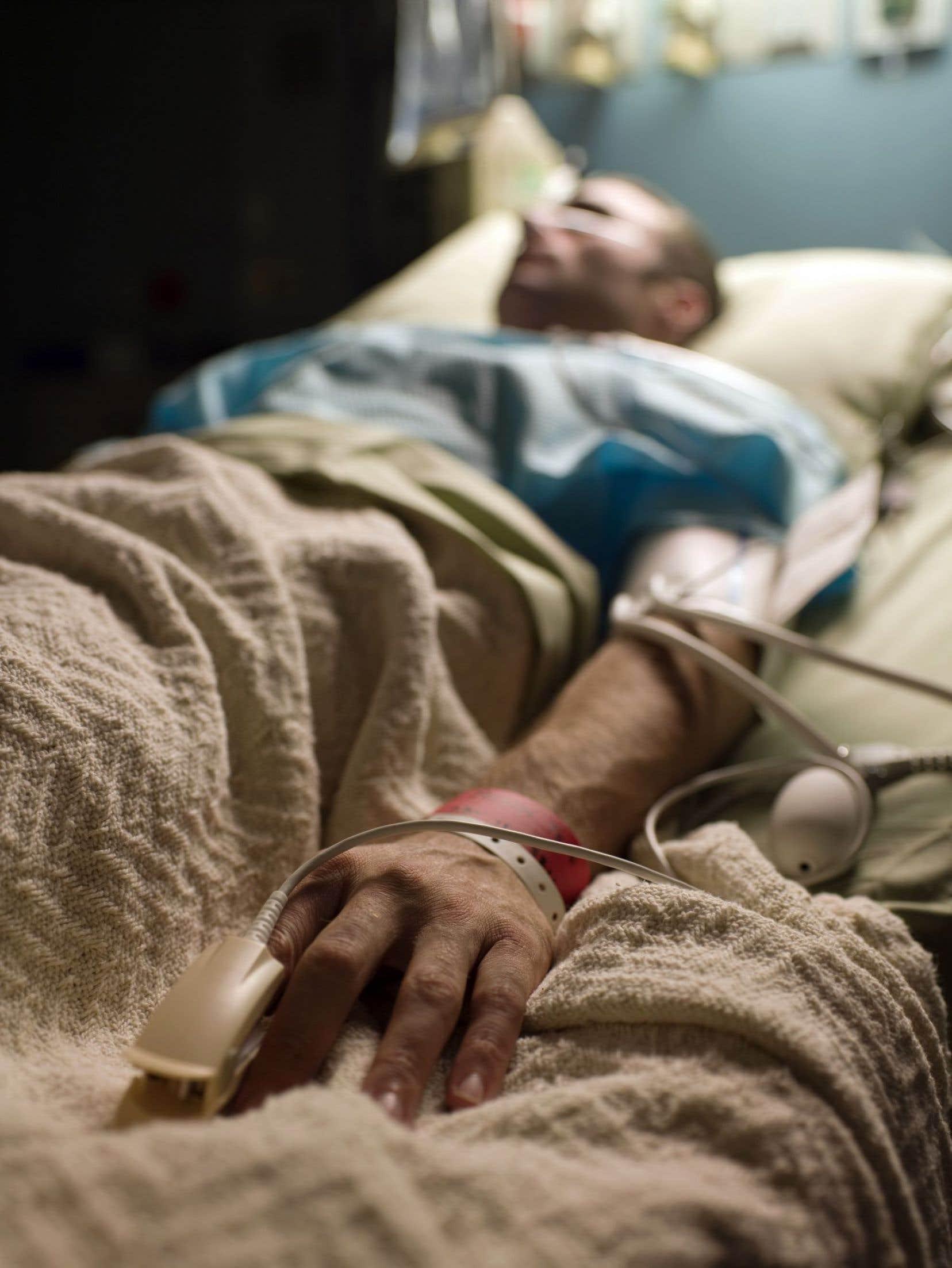 L'aide médicale à mourir n'a fait l'objet d'aucune question aux Communes de la part des partis officiels depuis que la Cour suprême a rendu son jugement historique, il y a 12 jours.