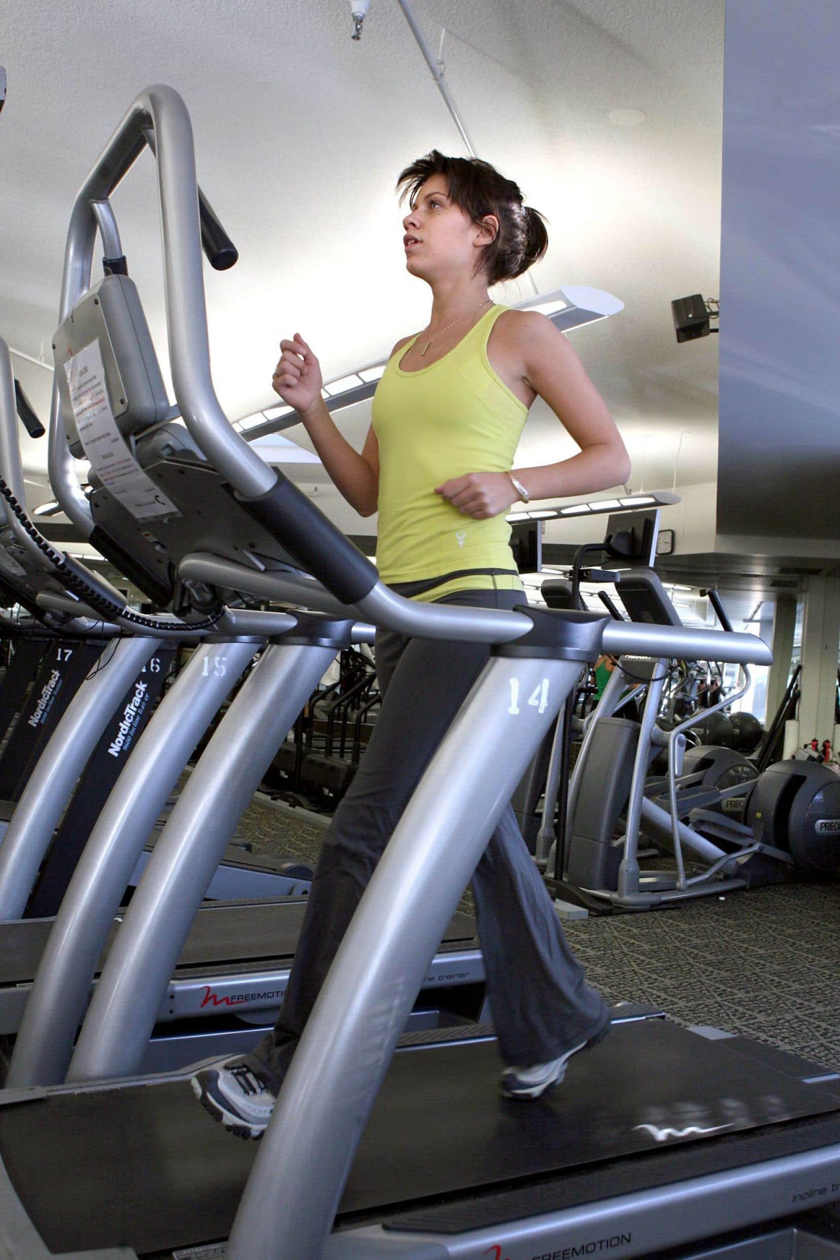 Selon l'auteure, la phobie du gras et des rondeurs est plus que jamais présente dans notre société. Cela laisse notamment place à de nouveaux troubles, tels qu'une obsession pour l'activité physique.