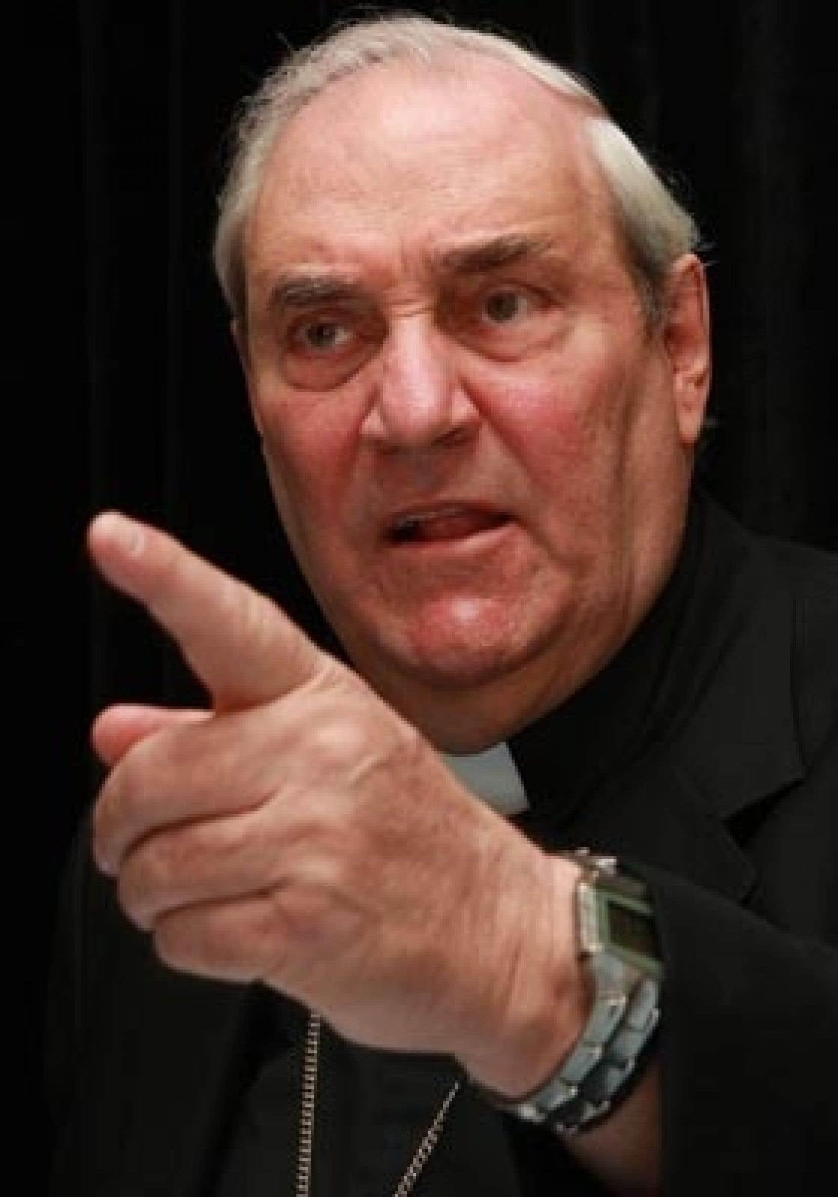 Le cardinal Jean-Claude Turcotte, archevêque de Montréal, est accusé par le site LifeSiteNews d'être «en contradiction avec les enseignements de l'Église catholique sur l'avortement et sur le condom».