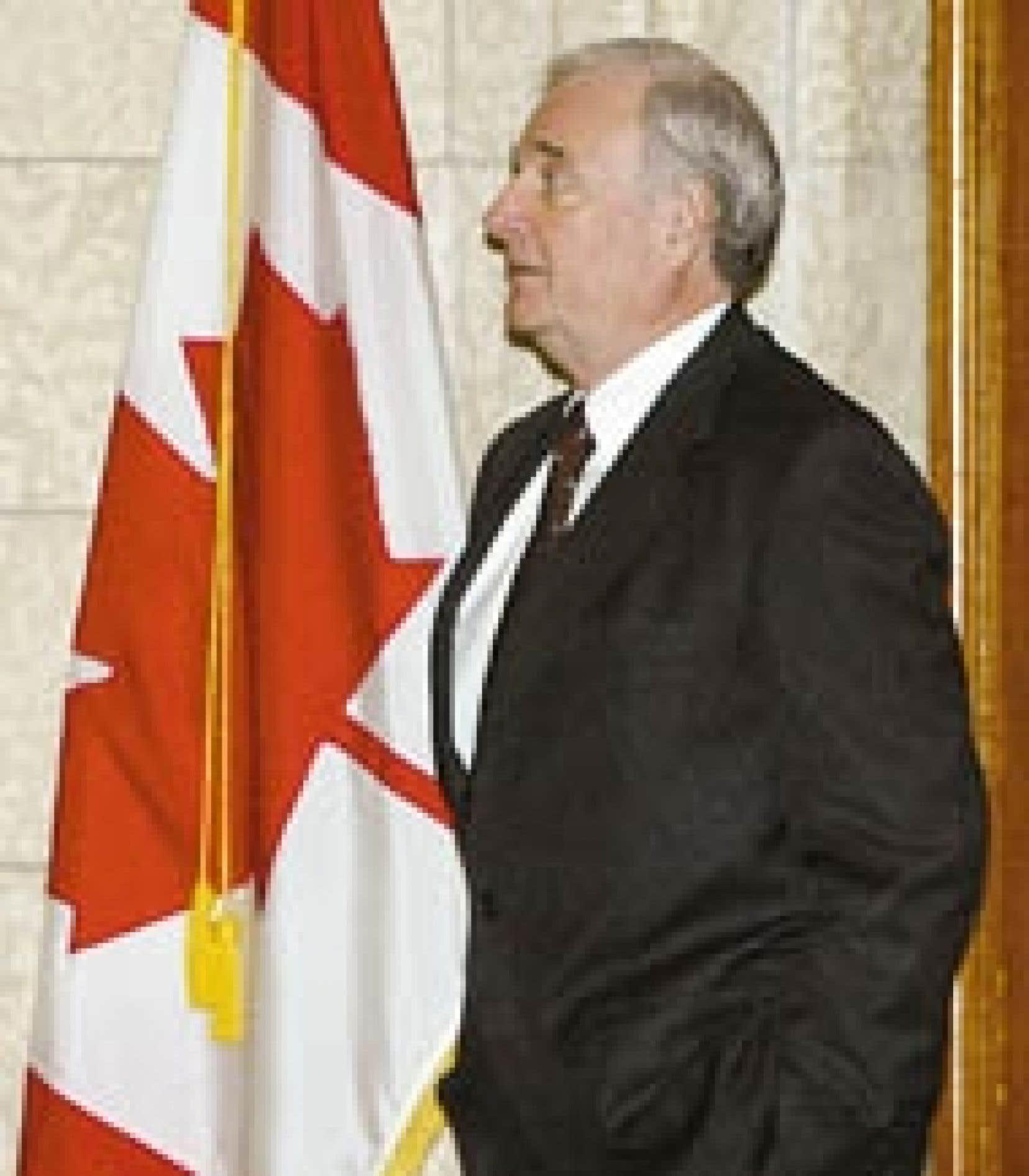 Le premier ministre Paul Martin multiplie depuis peu les annonces d'un bout à l'autre du pays.
