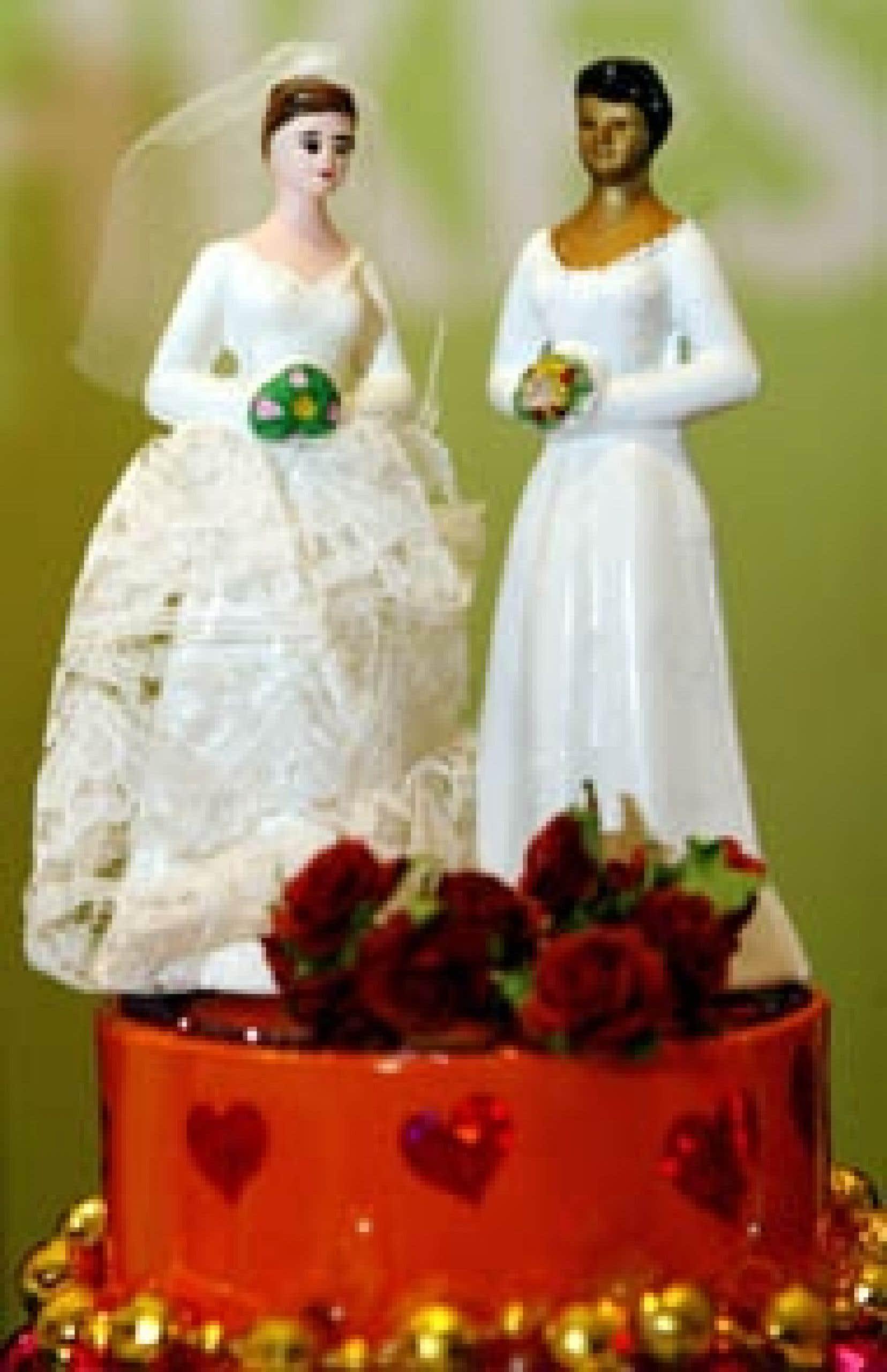 Un gâteau de mariage de conjoints de même sexe a été présenté pour le Salon du mariage gai de Seattle, en avril dernier.