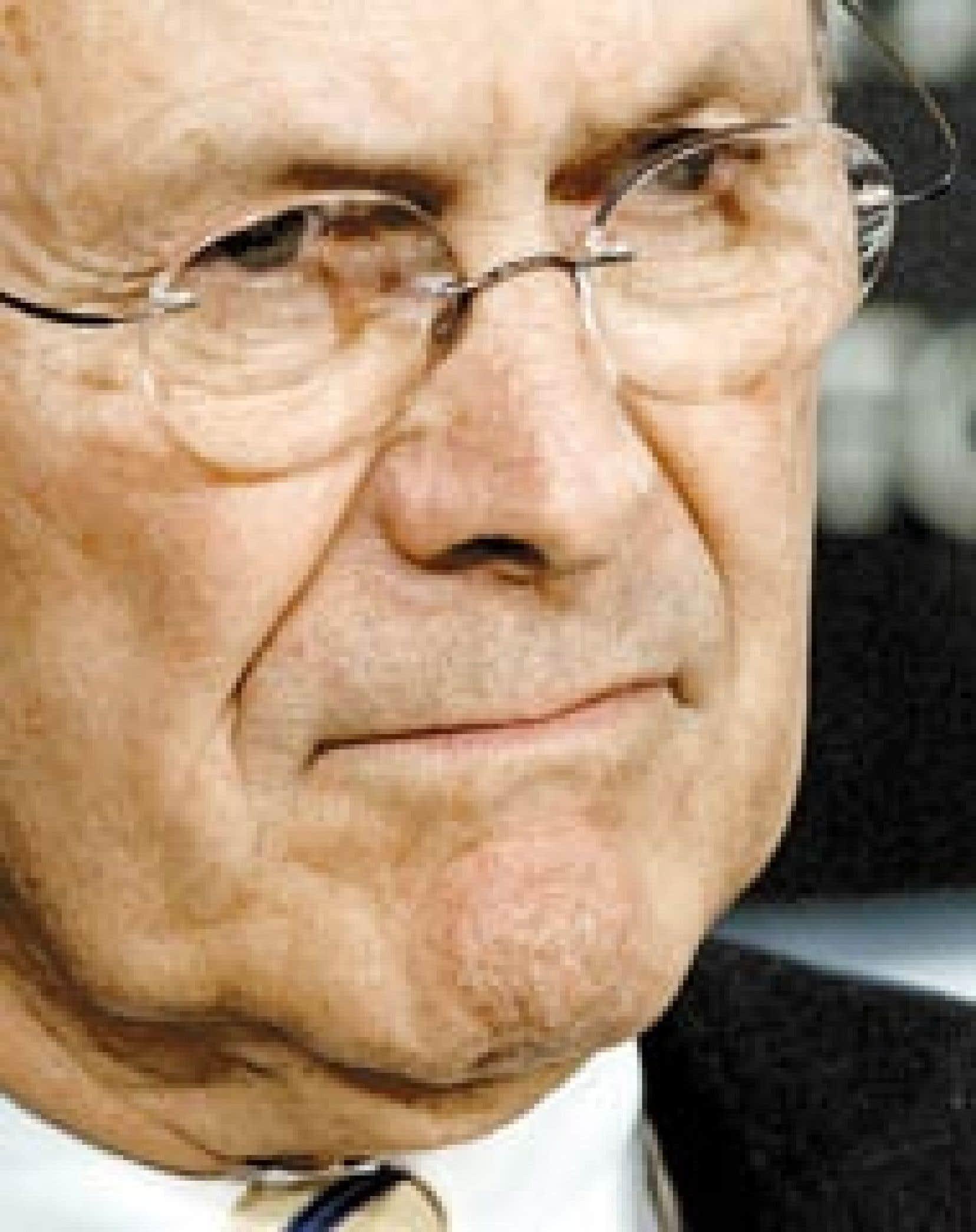 Le président Bush a confirmé avoir sermonné hier Donald Rumsfeld, qui aurait dû le prévenir plus tôt du scandale. «Je lui ai dit que j'aurais dû être informé des images et du rapport» sur les sévices. Ce rapport a été établi en mars par
