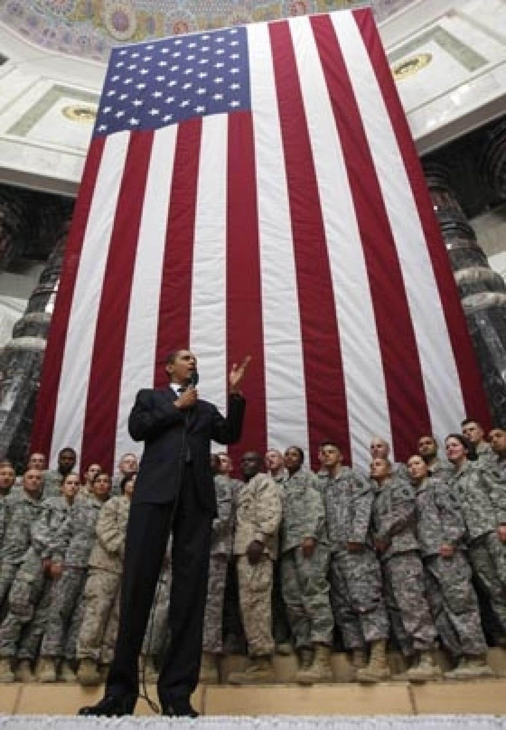 Le président Barack Obama a profité de son périple en Europe pour se rendre en Irak visiter les troupes américaines.
