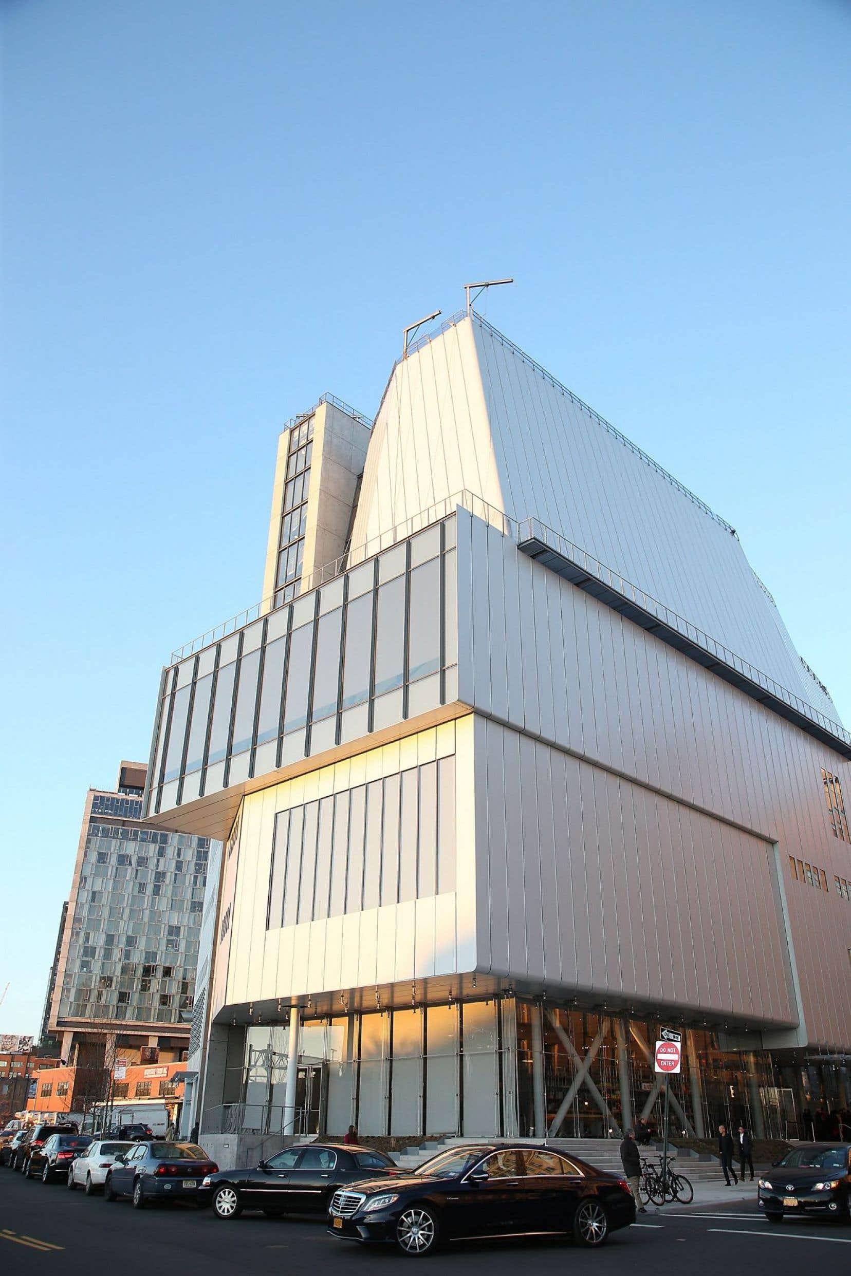Le nouveau Whitney Museum, situé dans le district new-yorkais du Meatpacking, a récemment été inauguré par Michelle Obama. Le nouveau lieu, dessiné par Renzo Piano, a doublé ses surfaces d'exposition.
