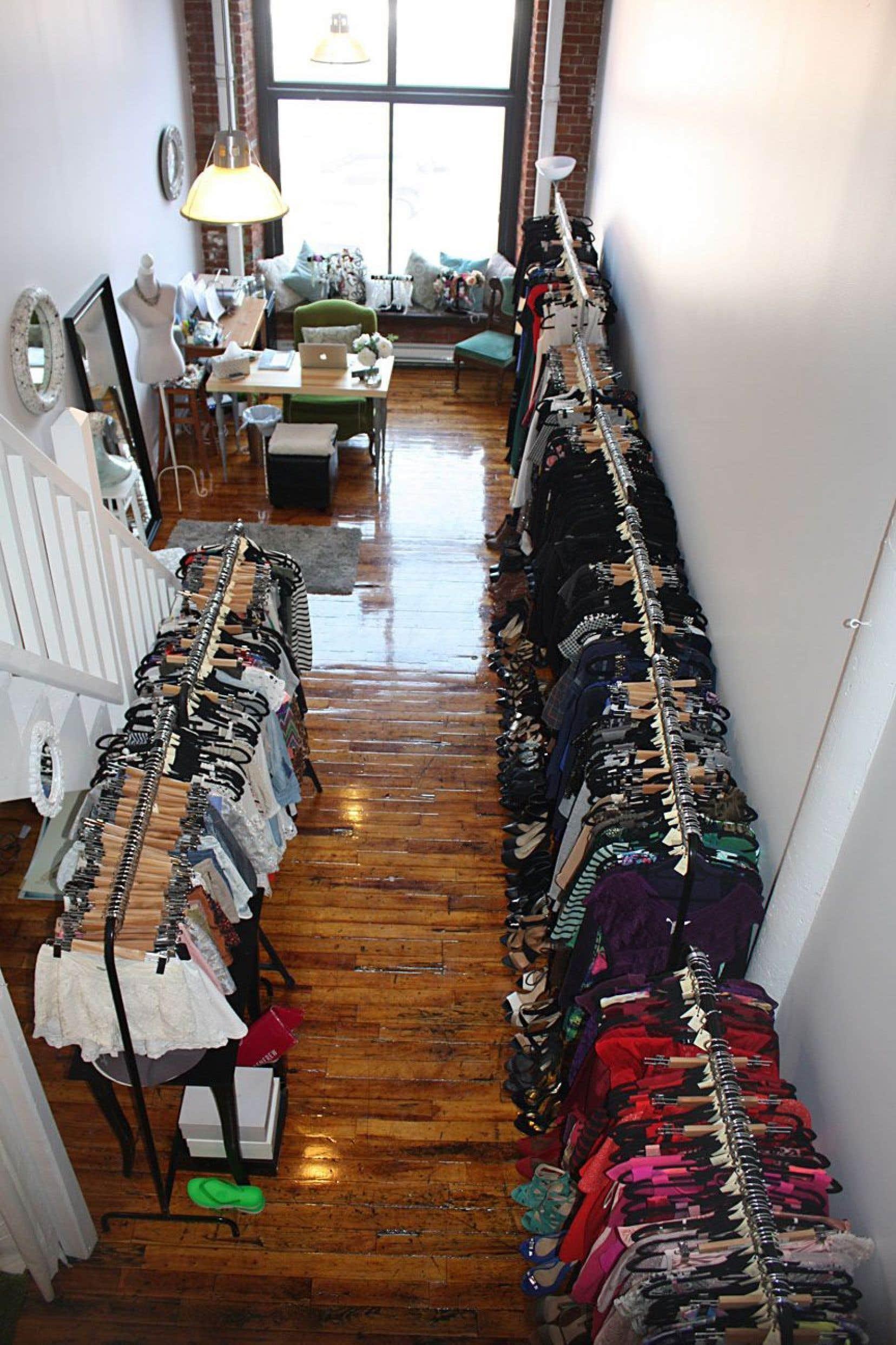Vue sur l'intérieur de la boutique La petite robe noire