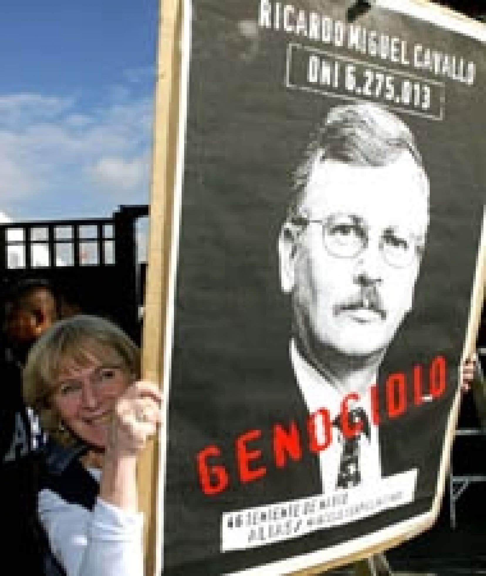 À Mexico, une Argentine a «salué» l'extradition par le Mexique de Ricardo Miguel Cavallo, qui fera face en Espagne à des accusations de terrorisme et de génocide pour son rôle dans «la sale guerre» menée contre l'opposition sous la dictatur