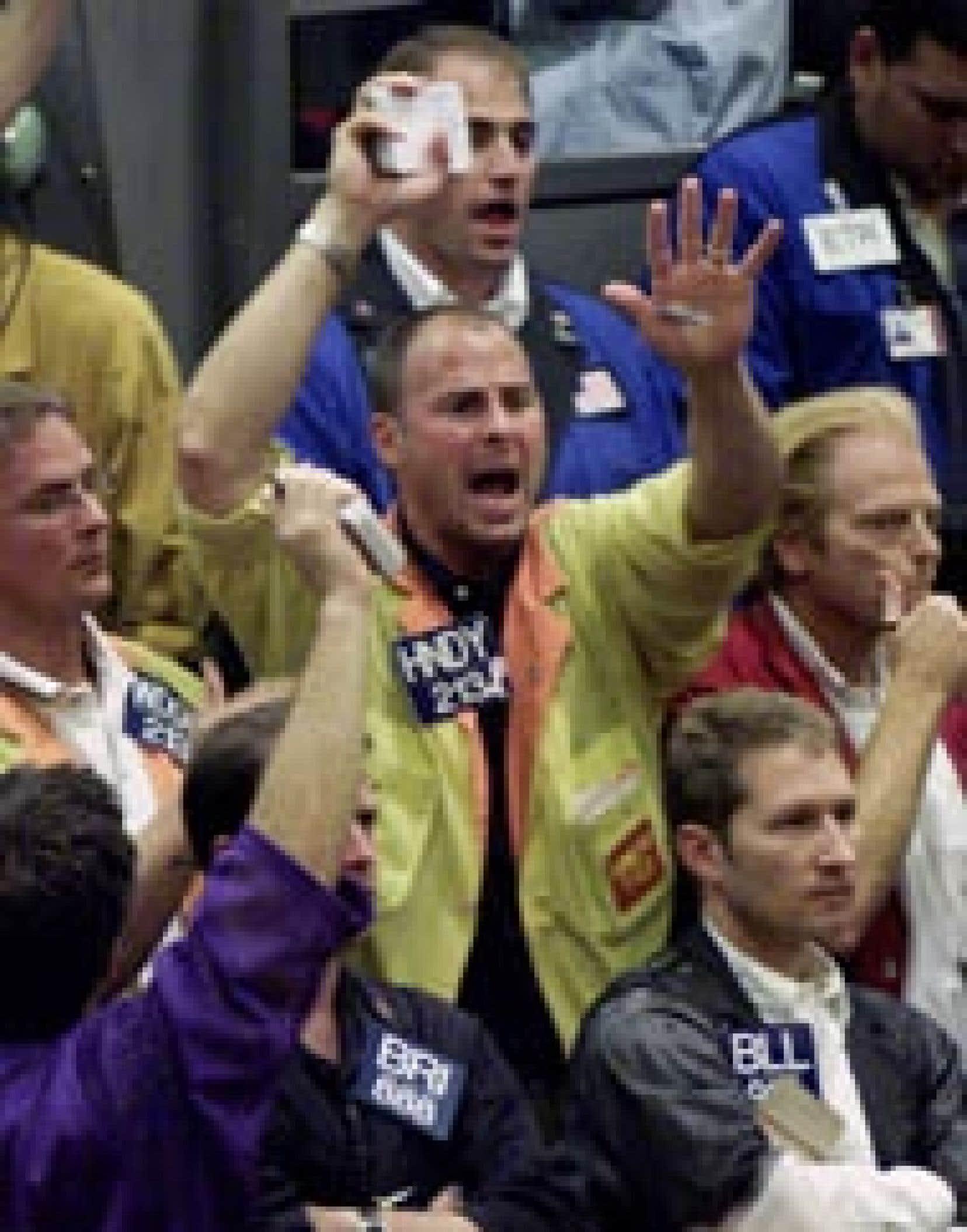 Hier, le Dow Jones a gagné 0,6 % à 8322,40 points et l'indice composite du Nasdaq 1,2 % à 1287,86 points. L'indice Standard and Poor's 500, plus représentatif de la tendance générale, a progressé de 0,6 % à 884,39 points. À Toronto, l'in