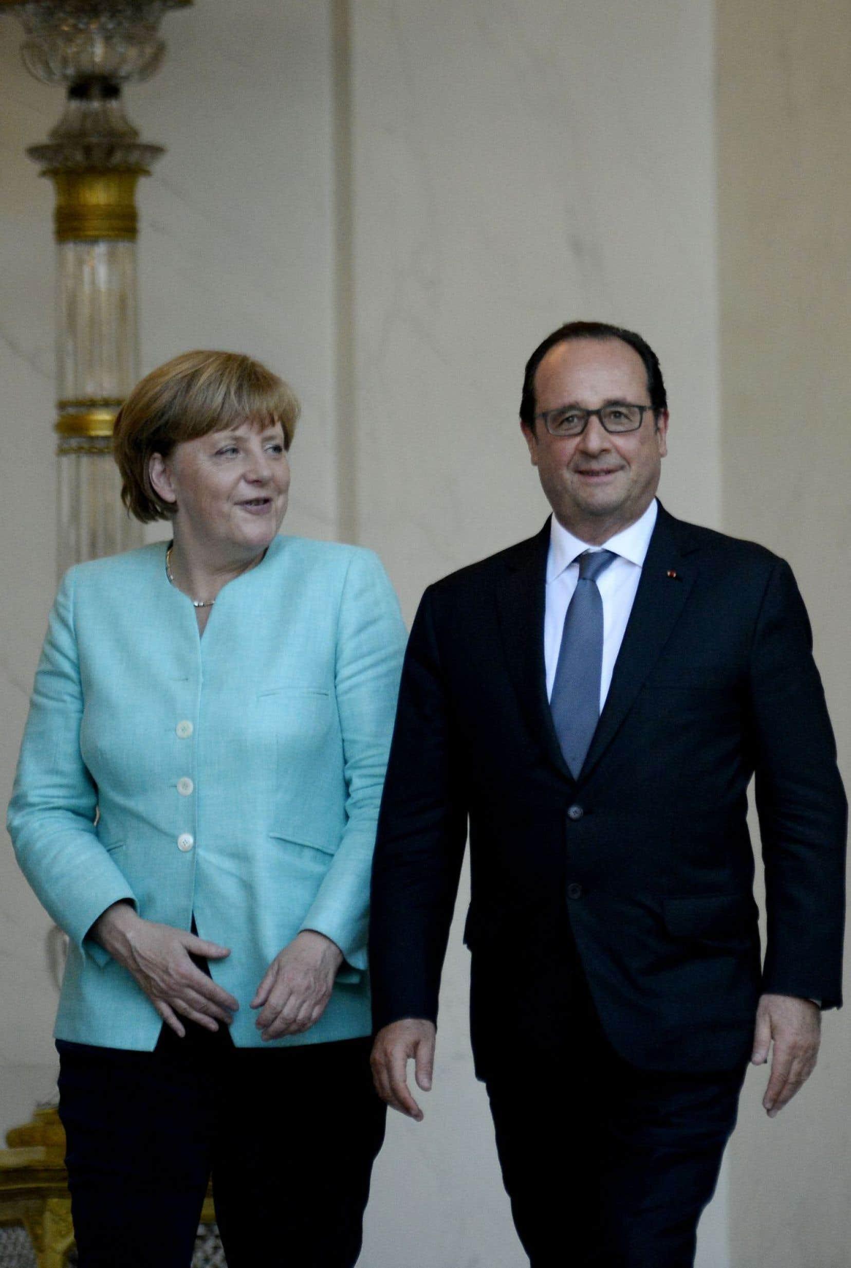François Hollande et Angela Merkel n'ont pu dissimuler leurs divergences, à la veille d'un sommet de la zone euro de tous les dangers à Bruxelles.
